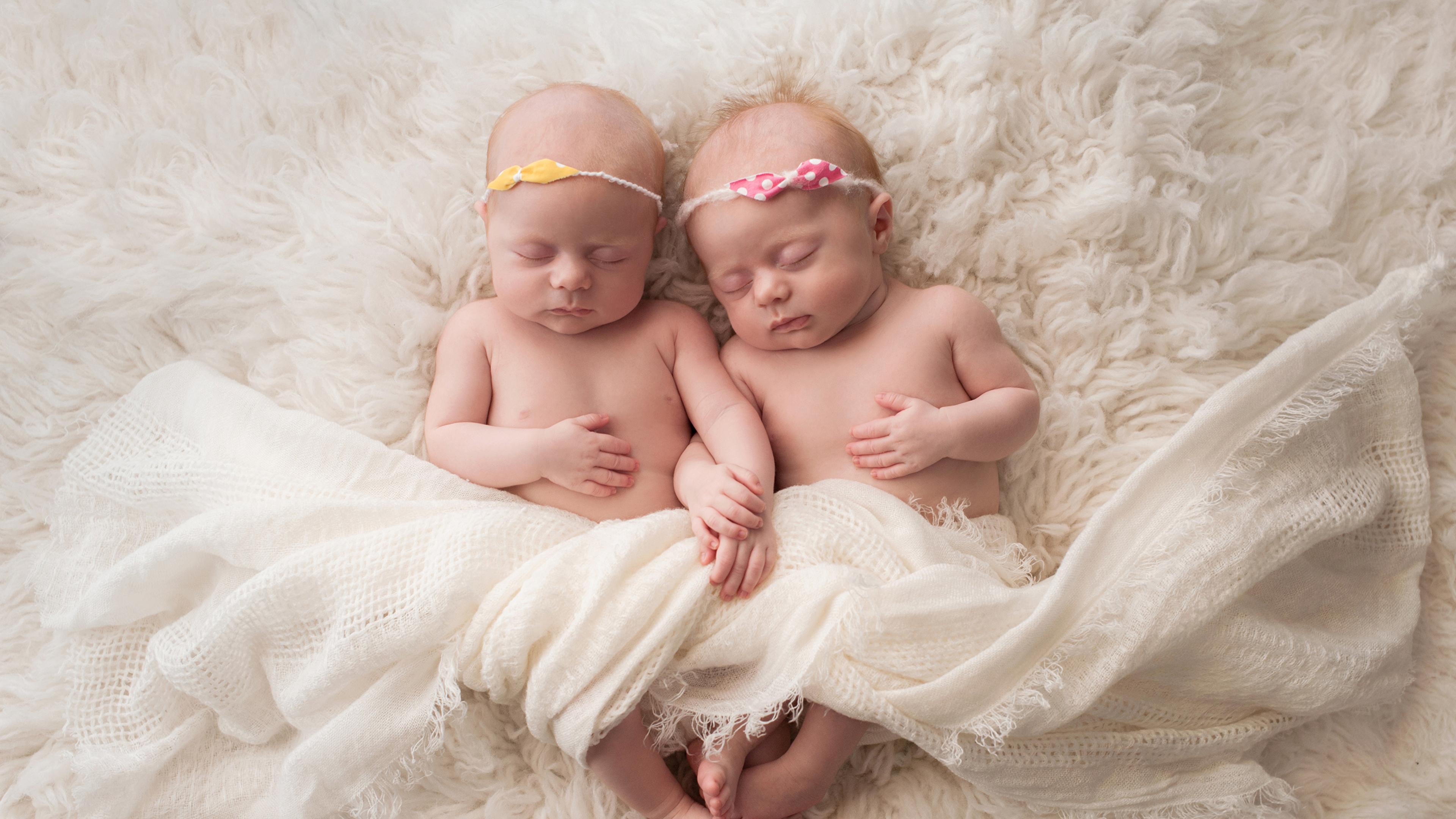 Своими руками близнецам