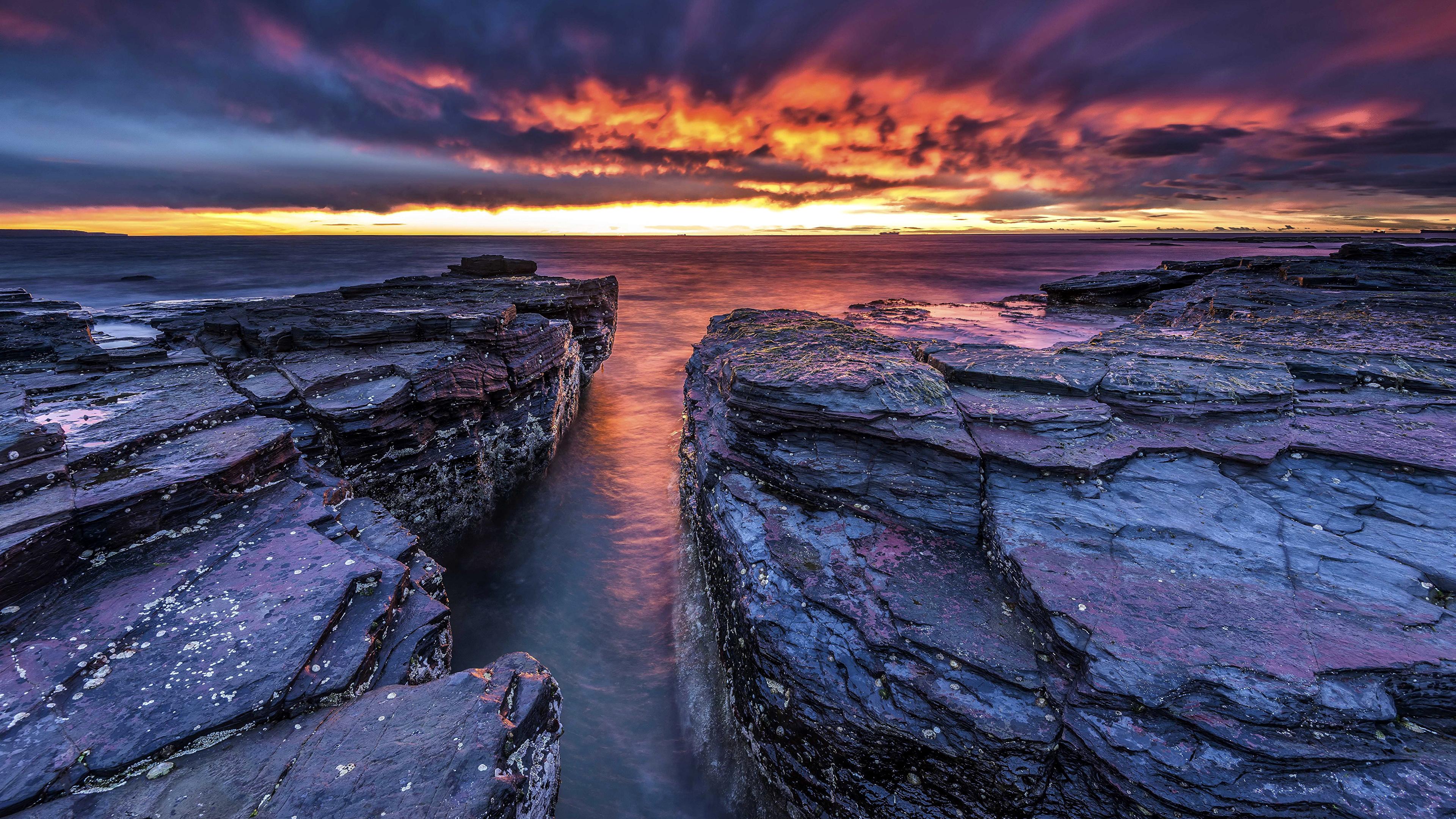 природа море горизонт камни облака небо скалы  № 432373  скачать