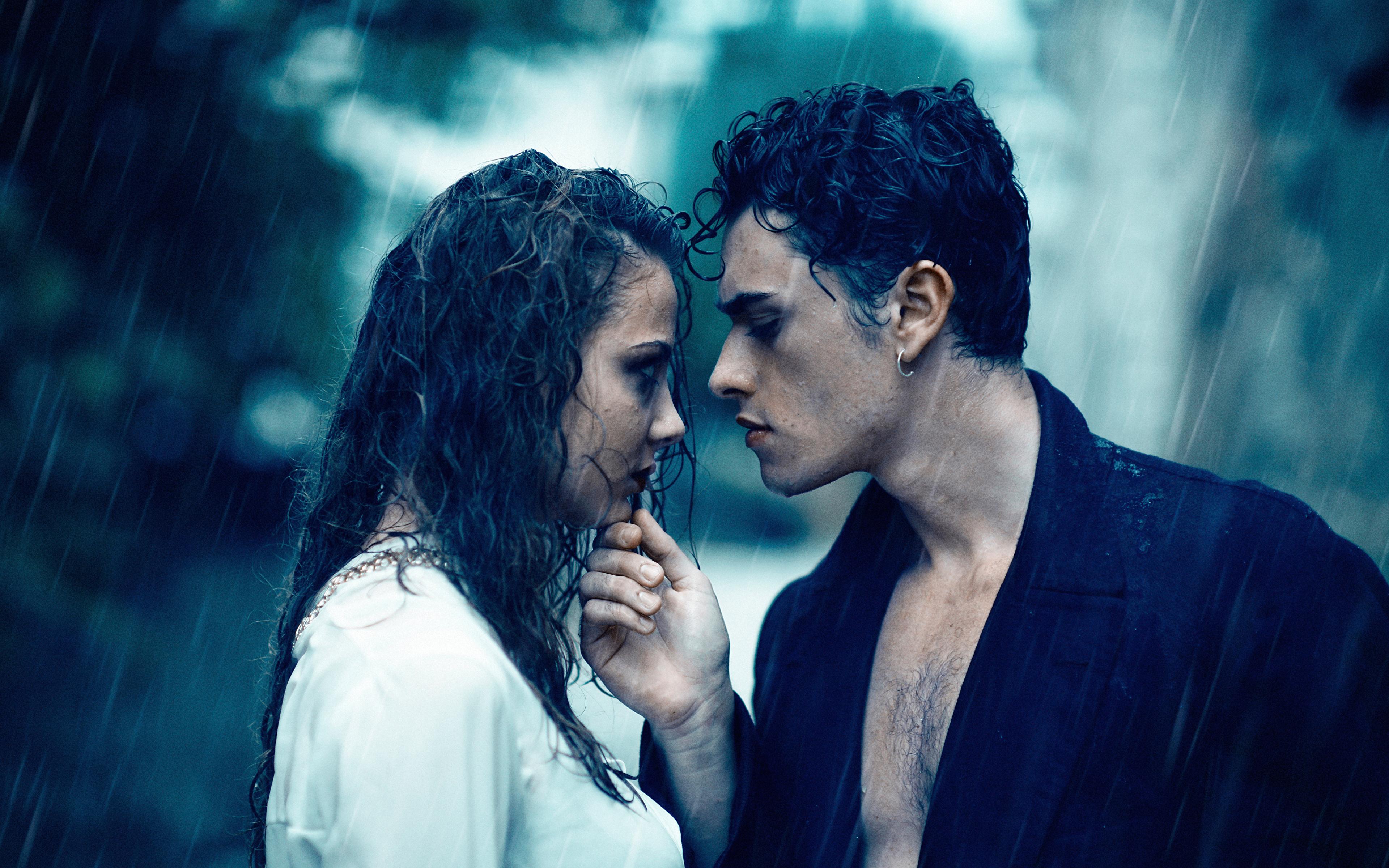 Поцелуй под дождем  № 3358132  скачать