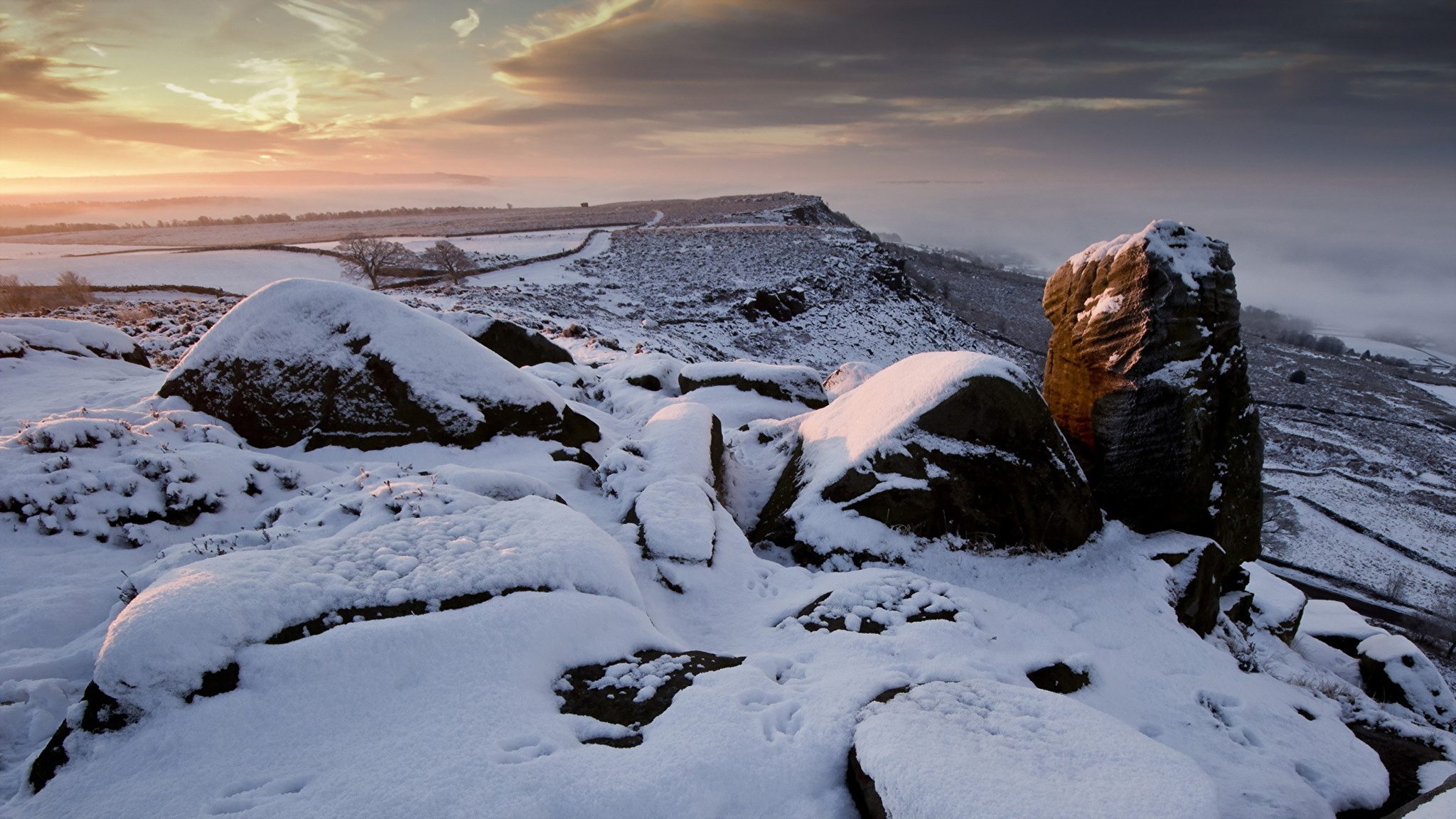 горы камни снег зима  № 2512861 без смс
