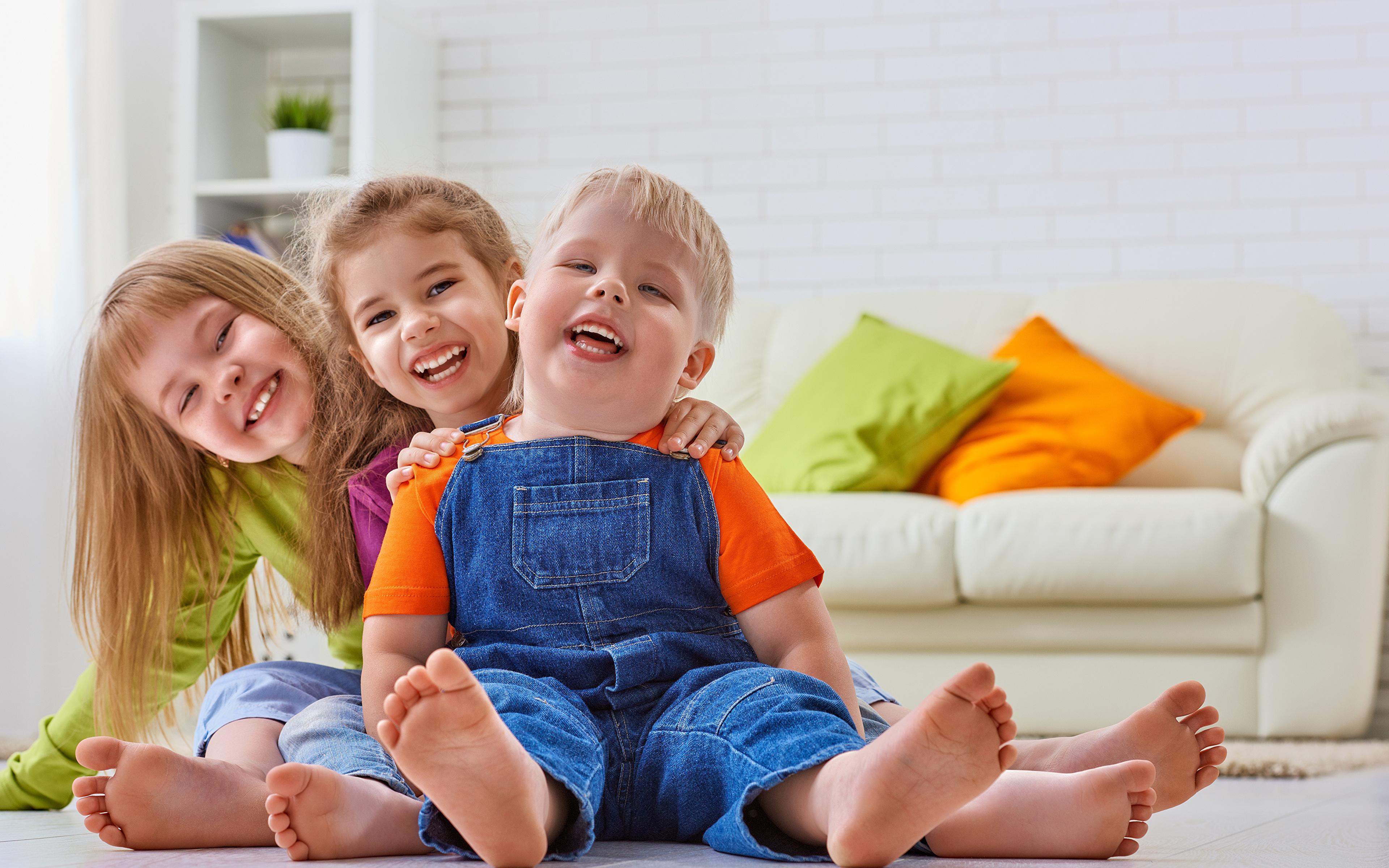Фото мамы и троих детей