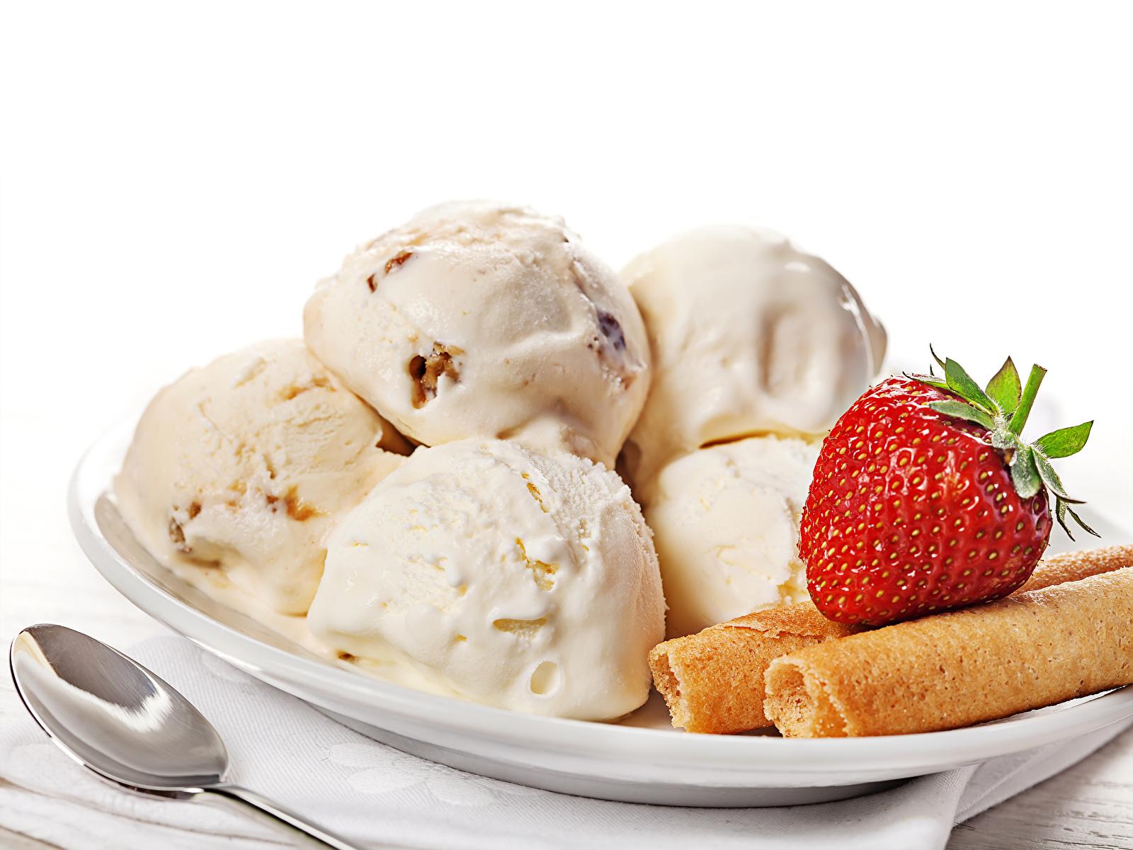 мороженое клубника шарики ice cream strawberry balls  № 2145122 бесплатно
