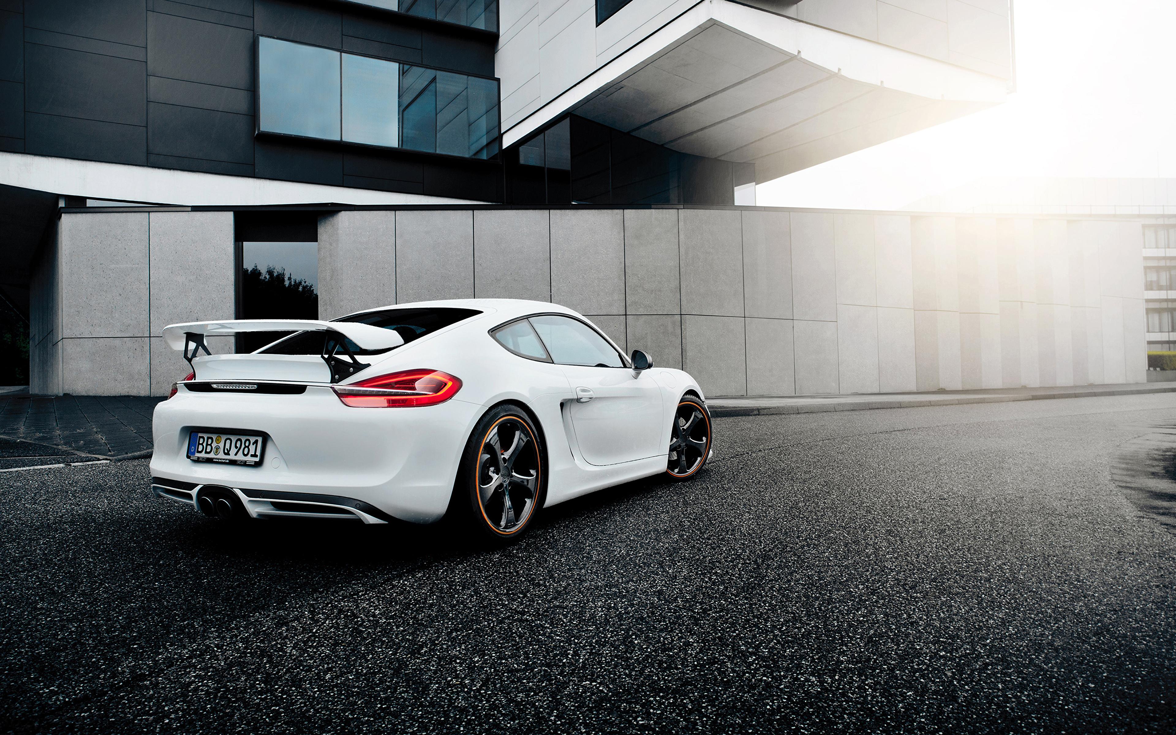 белый автомобиль спортивный porshe  № 637837 без смс