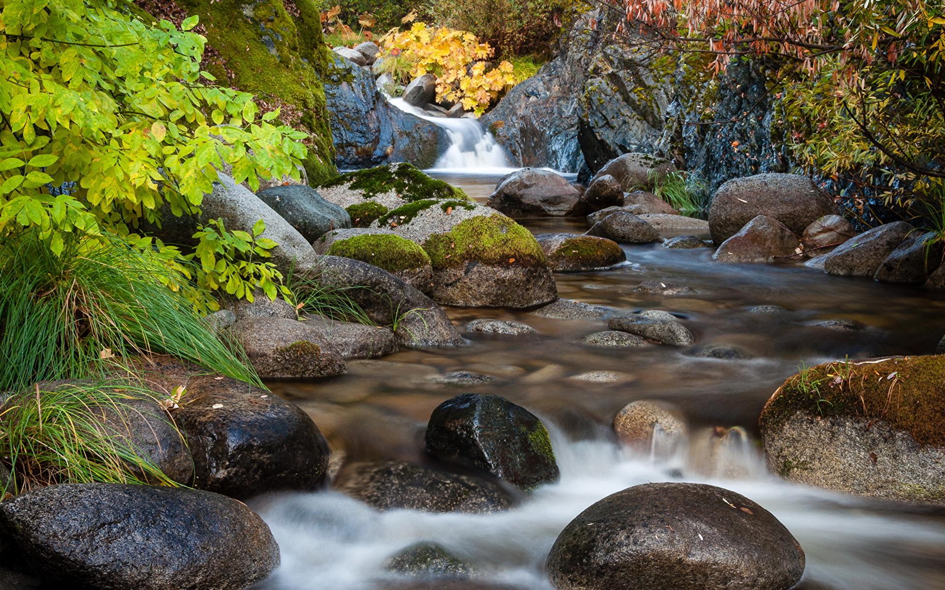 Водопад по камням  № 1869753 загрузить