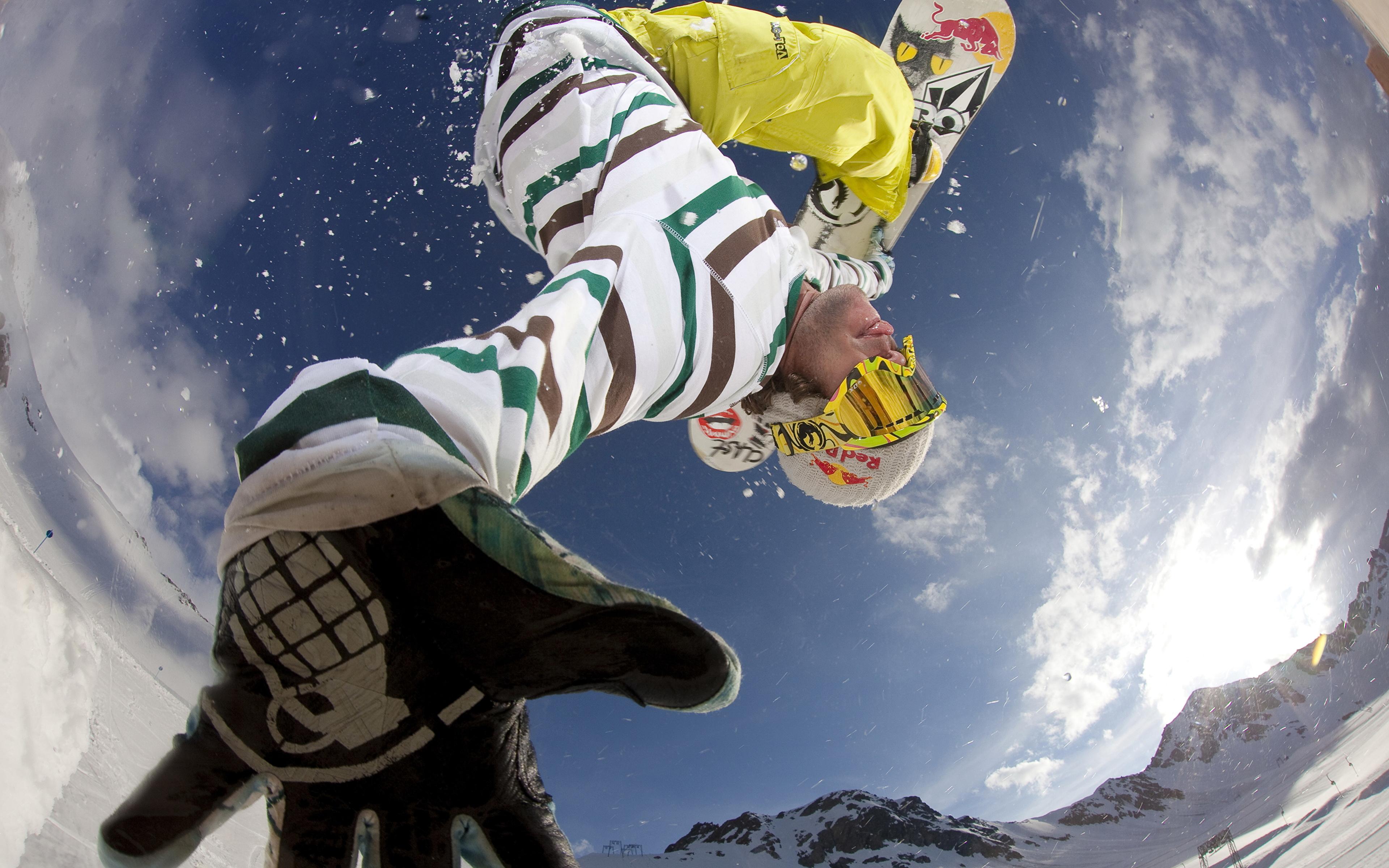 Лыжник прыжок горы небо  № 3309005  скачать