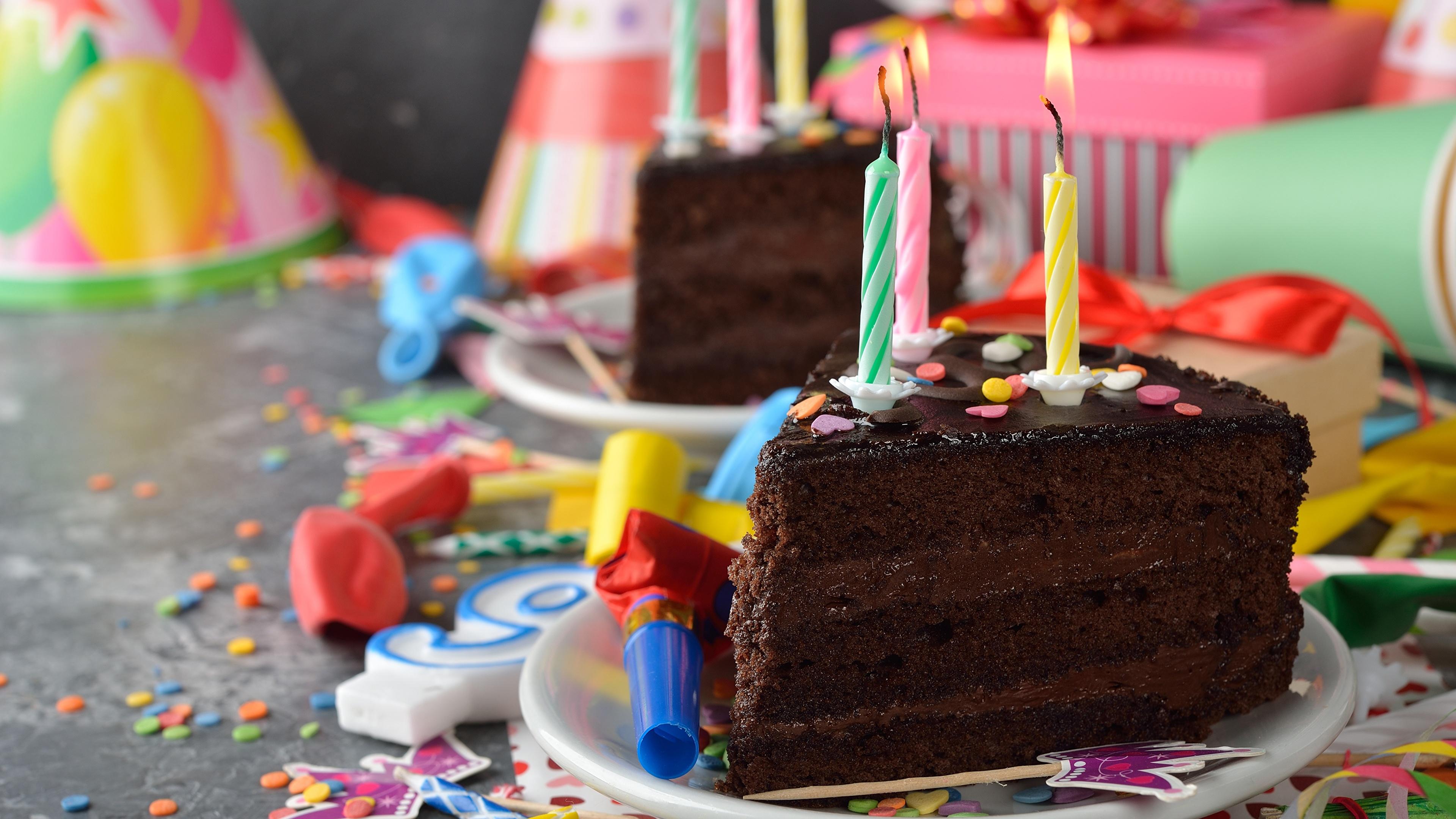 Кусок торта со свечей  № 2183951 бесплатно