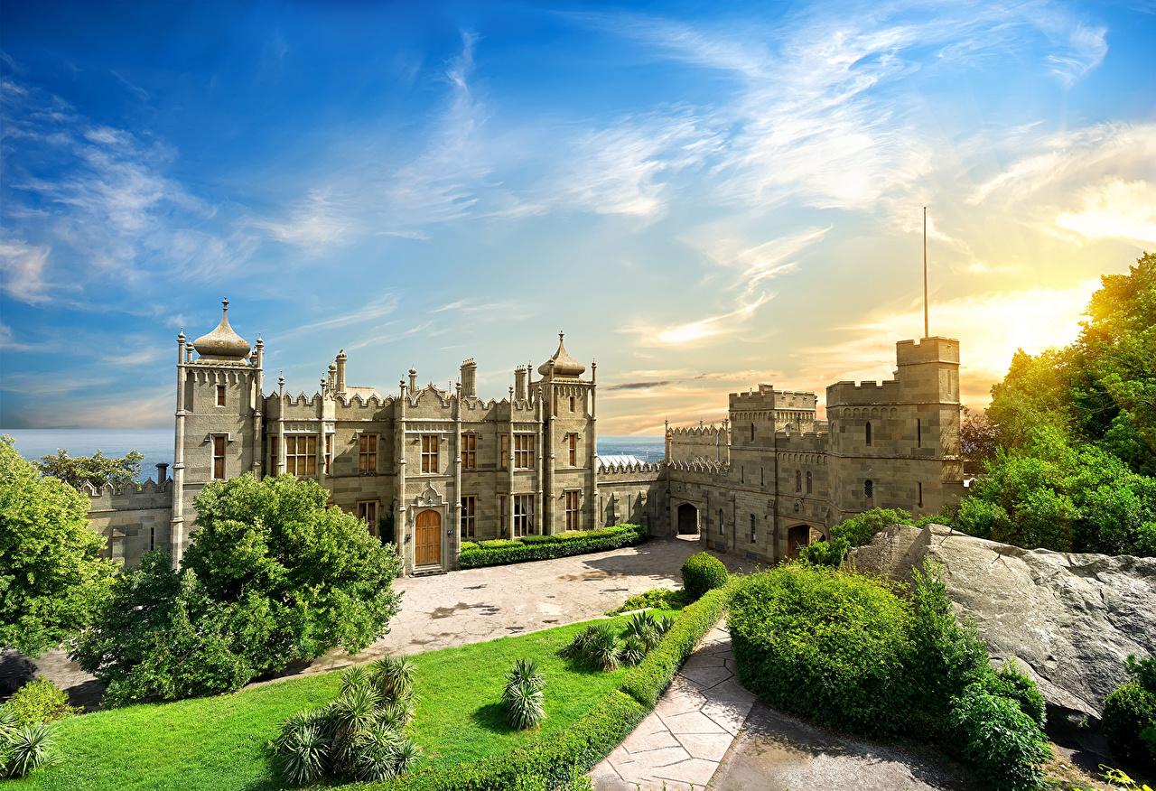 Россия Небо Крым Дворец Кусты Газон Воронцовский дворец Алупка Города