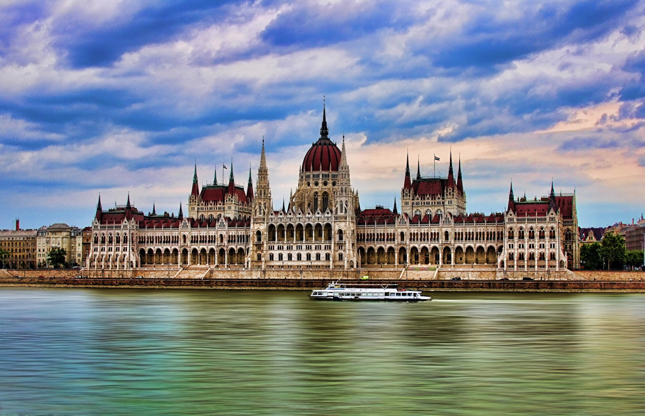 ������� ���� Budapest parliament ������ HDR ������