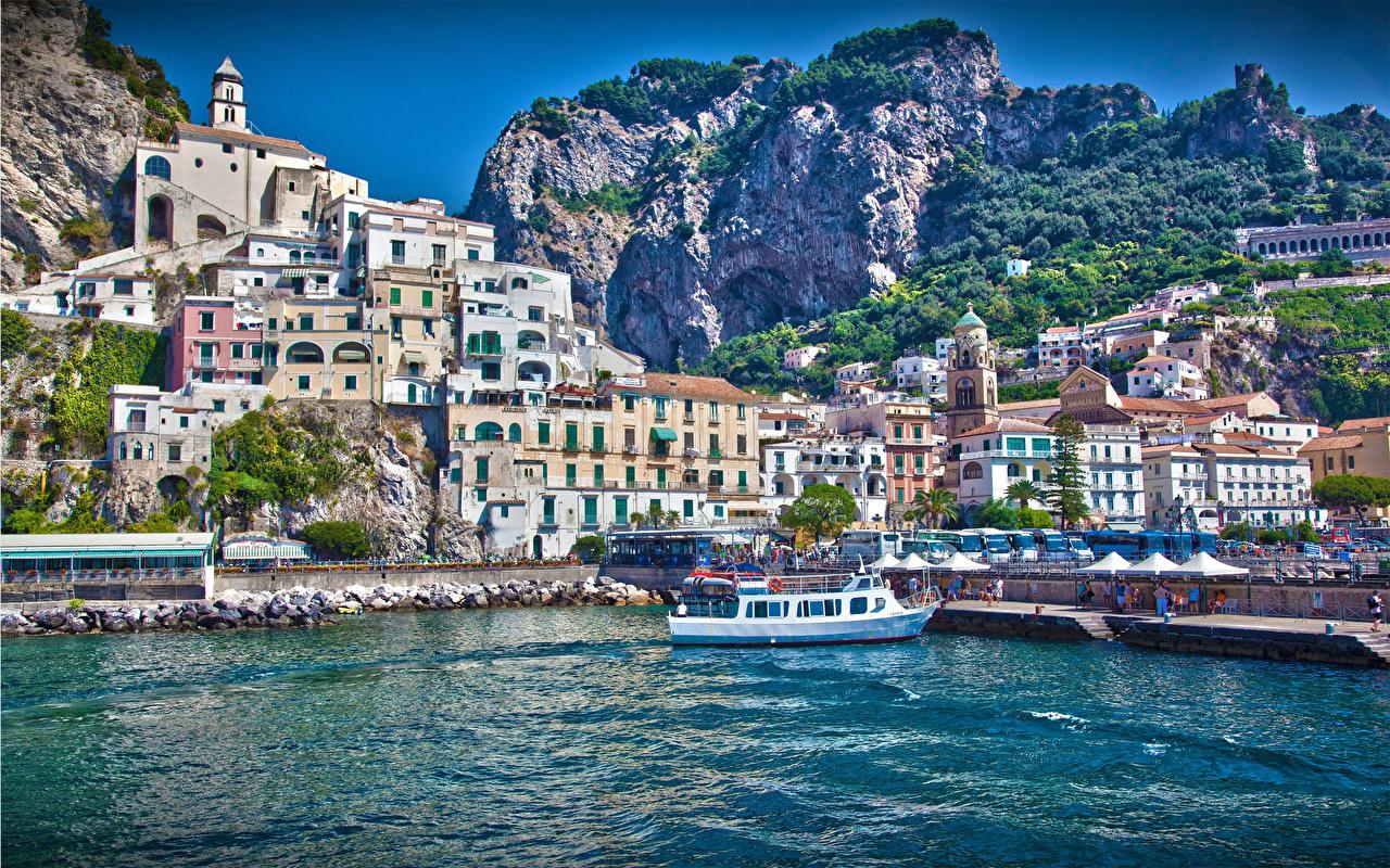 Италия Amalfi Города
