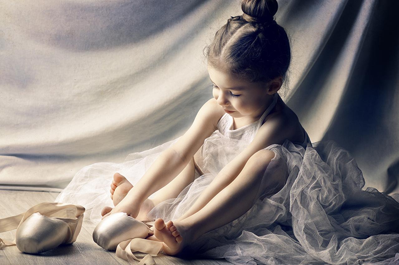 Ballerina wallpaper for kids