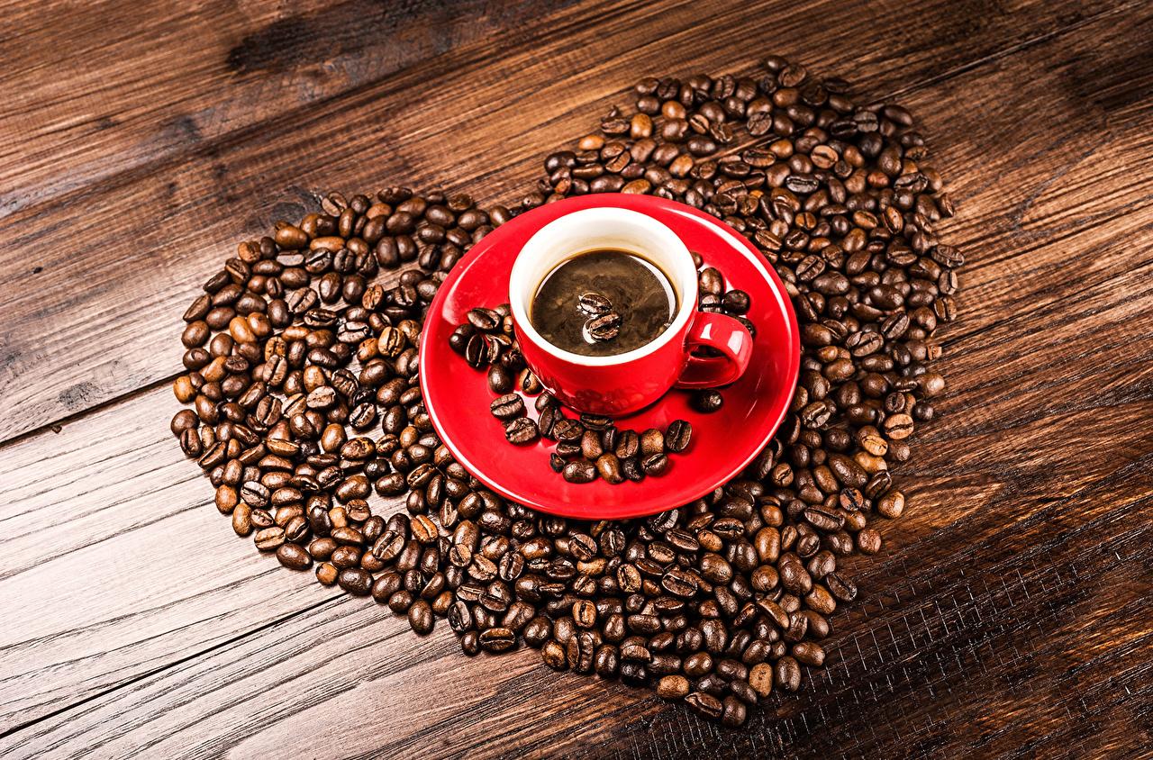 Напитки Кофе Зерна Сердце Чашка Паркет Блюдце Еда