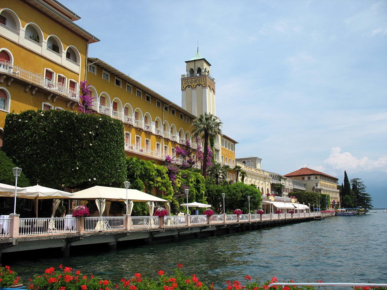 Италия Gardone Riviera Города