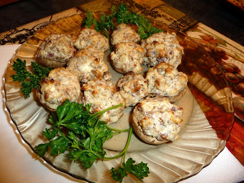 Блюда из шампиньонов с фаршем рецепты