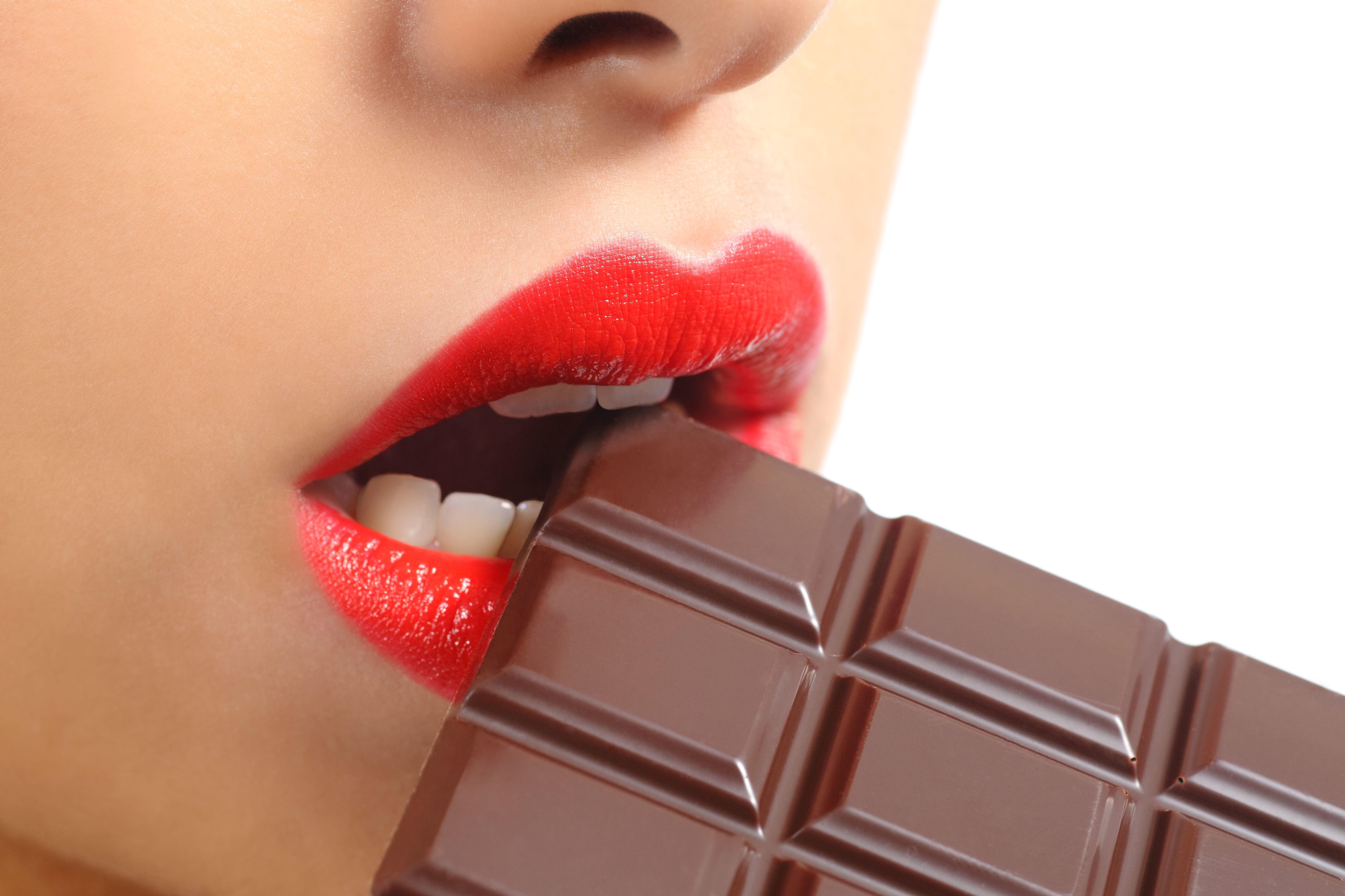 Шоколадки фото с девушками
