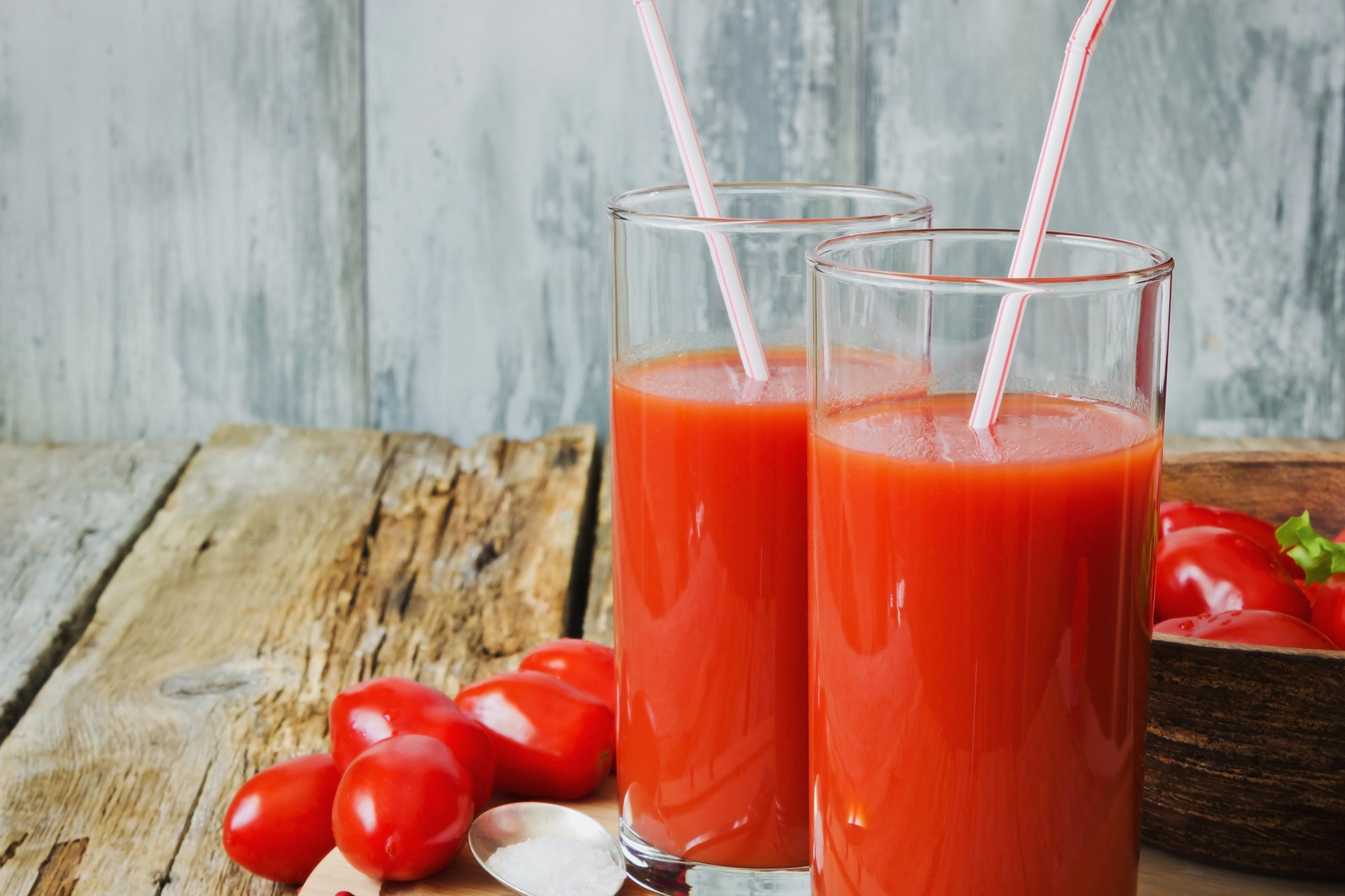 еда помидоры сок томатный ложка  № 2891521 бесплатно