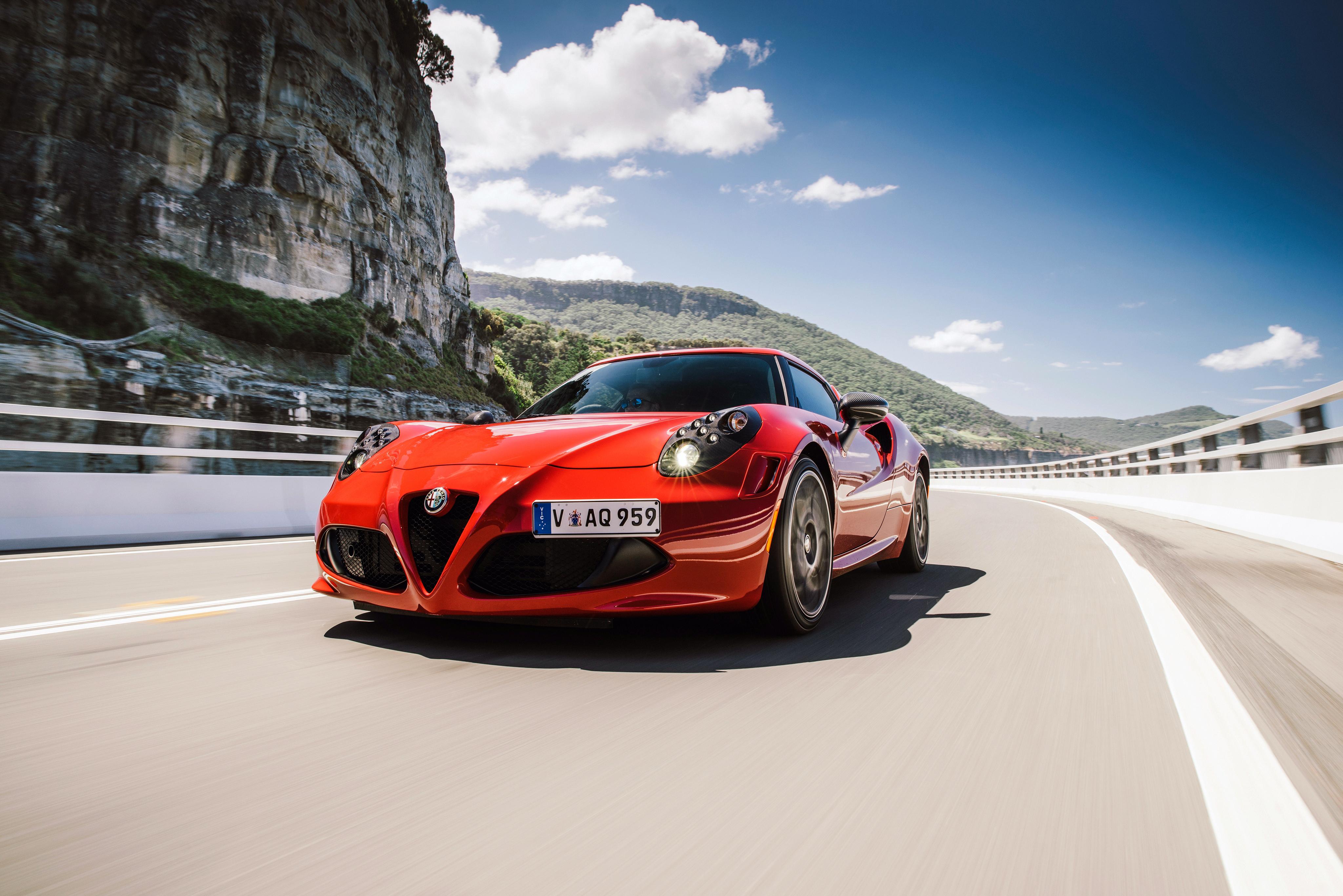 Alfa Romeo Бордовая  № 2426507 загрузить