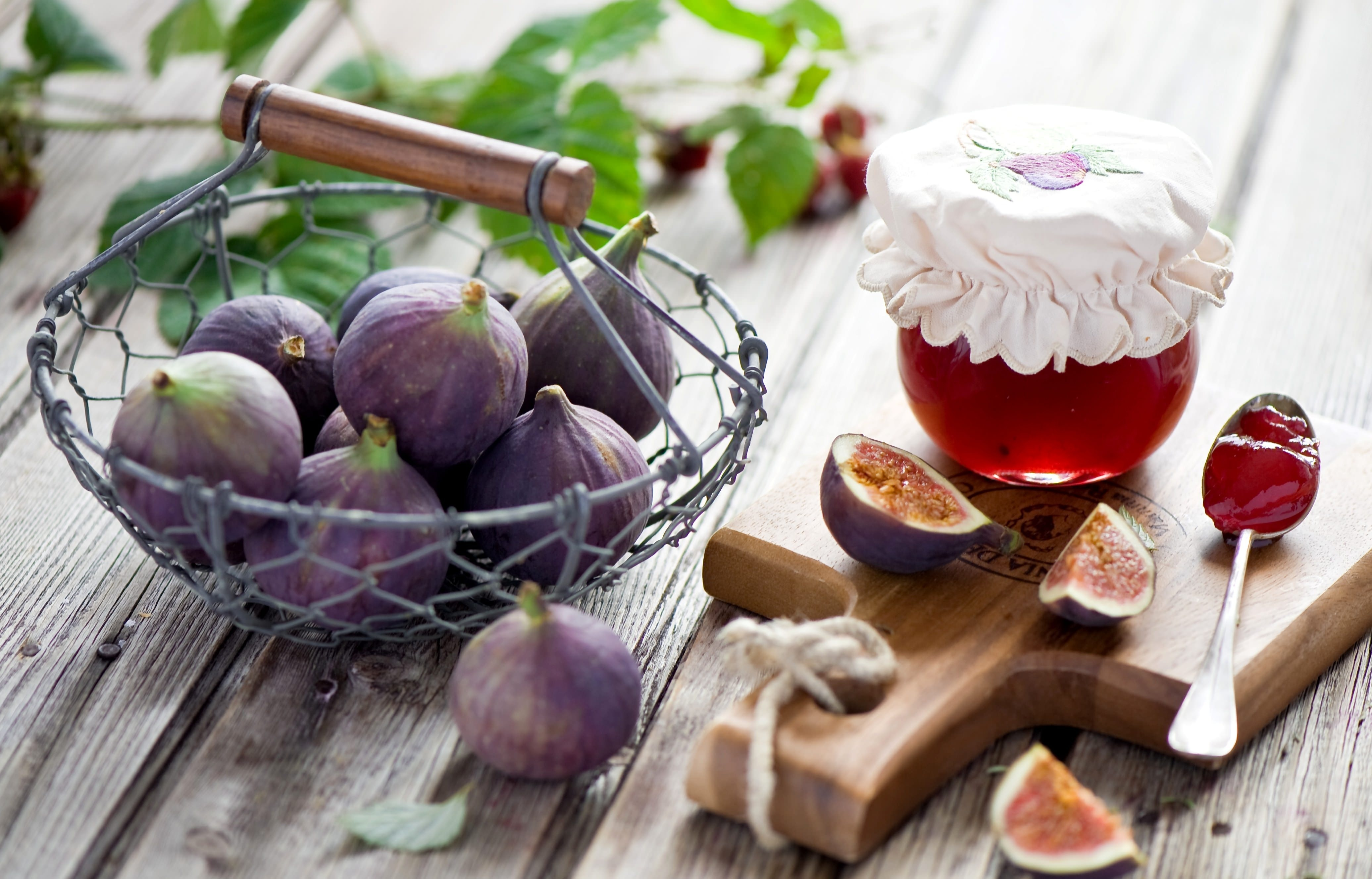 еда чай пирожные виноград  № 378007  скачать