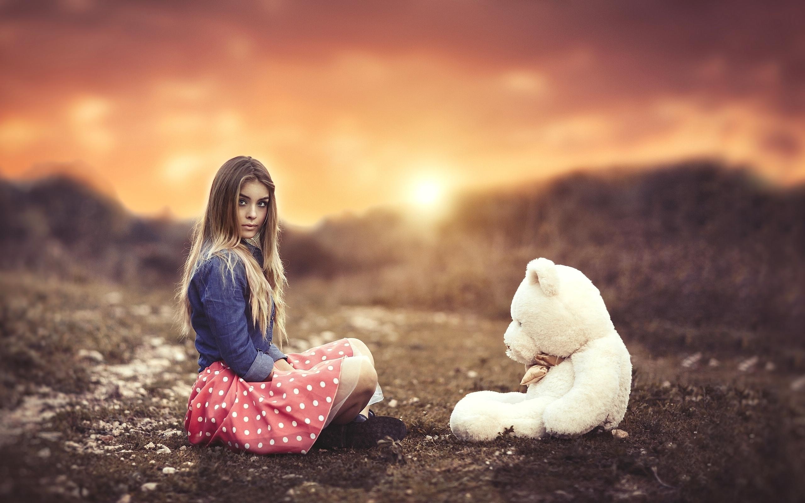 девушка медведь плюшевый  № 351140 загрузить