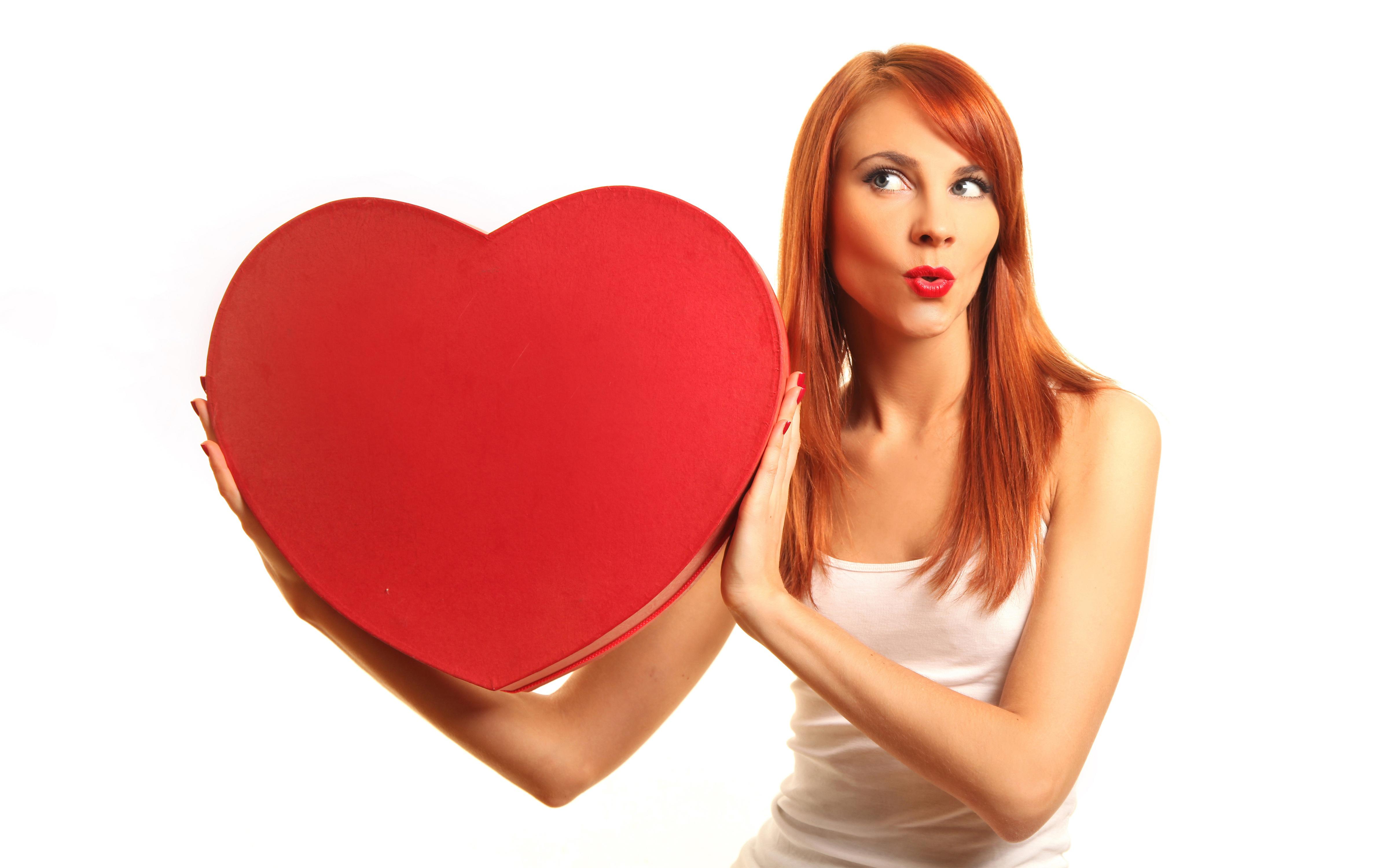 Сердце девушка обнимка  № 1659688 загрузить