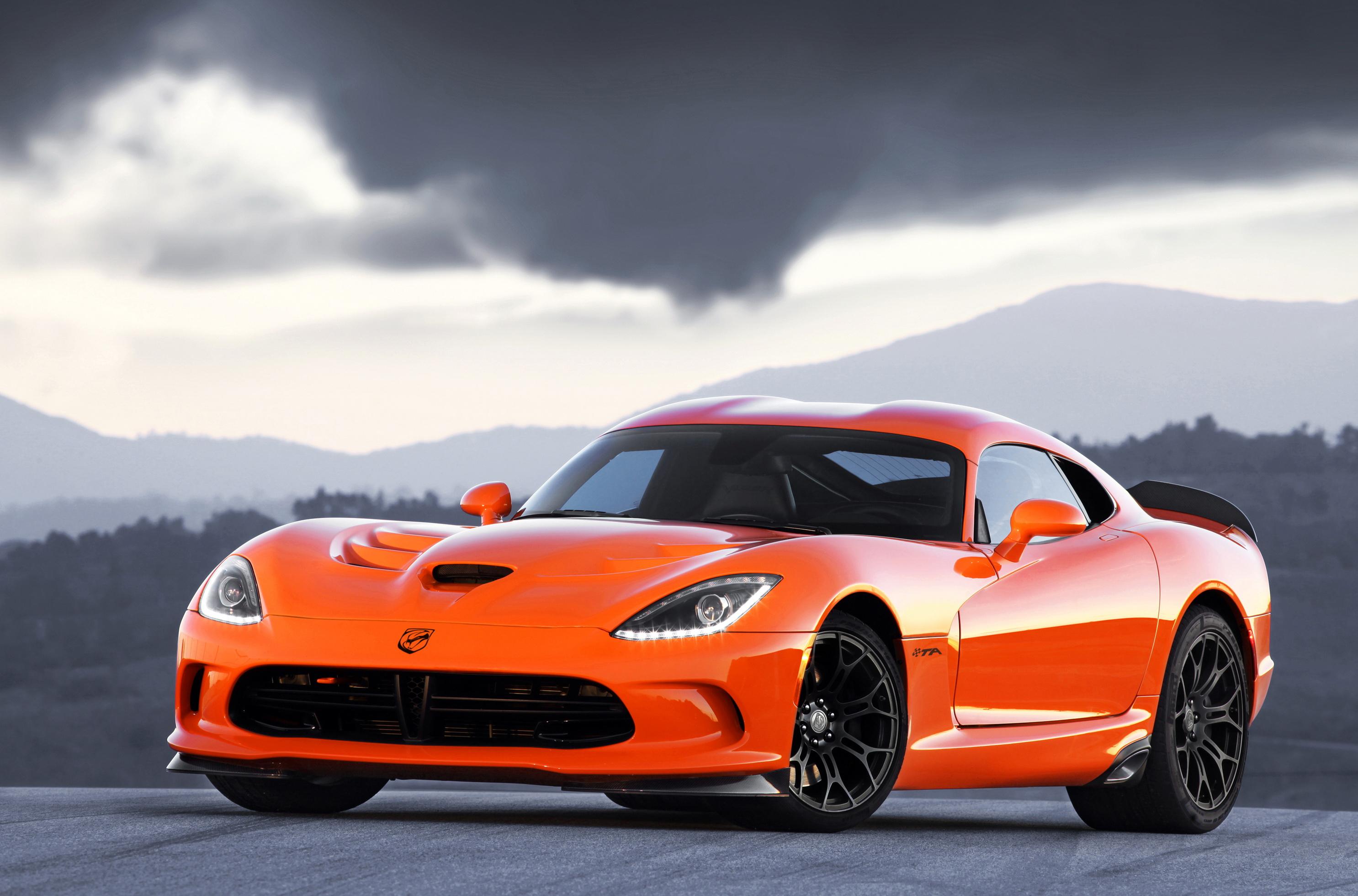 красный спортивный автомобиль Dodge Viper SRT  № 1128514 без смс