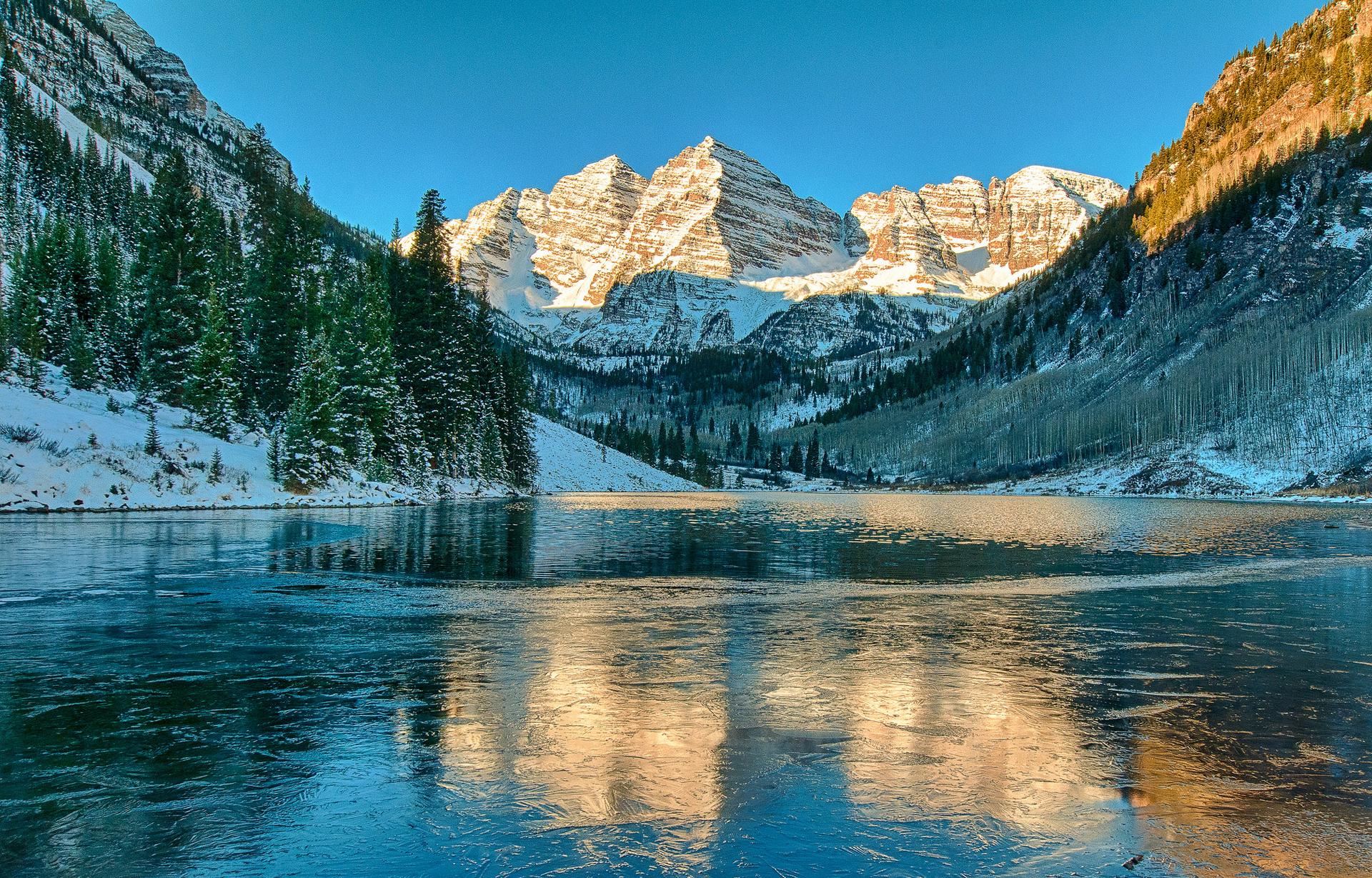 озеро горы снег  № 2476749 без смс