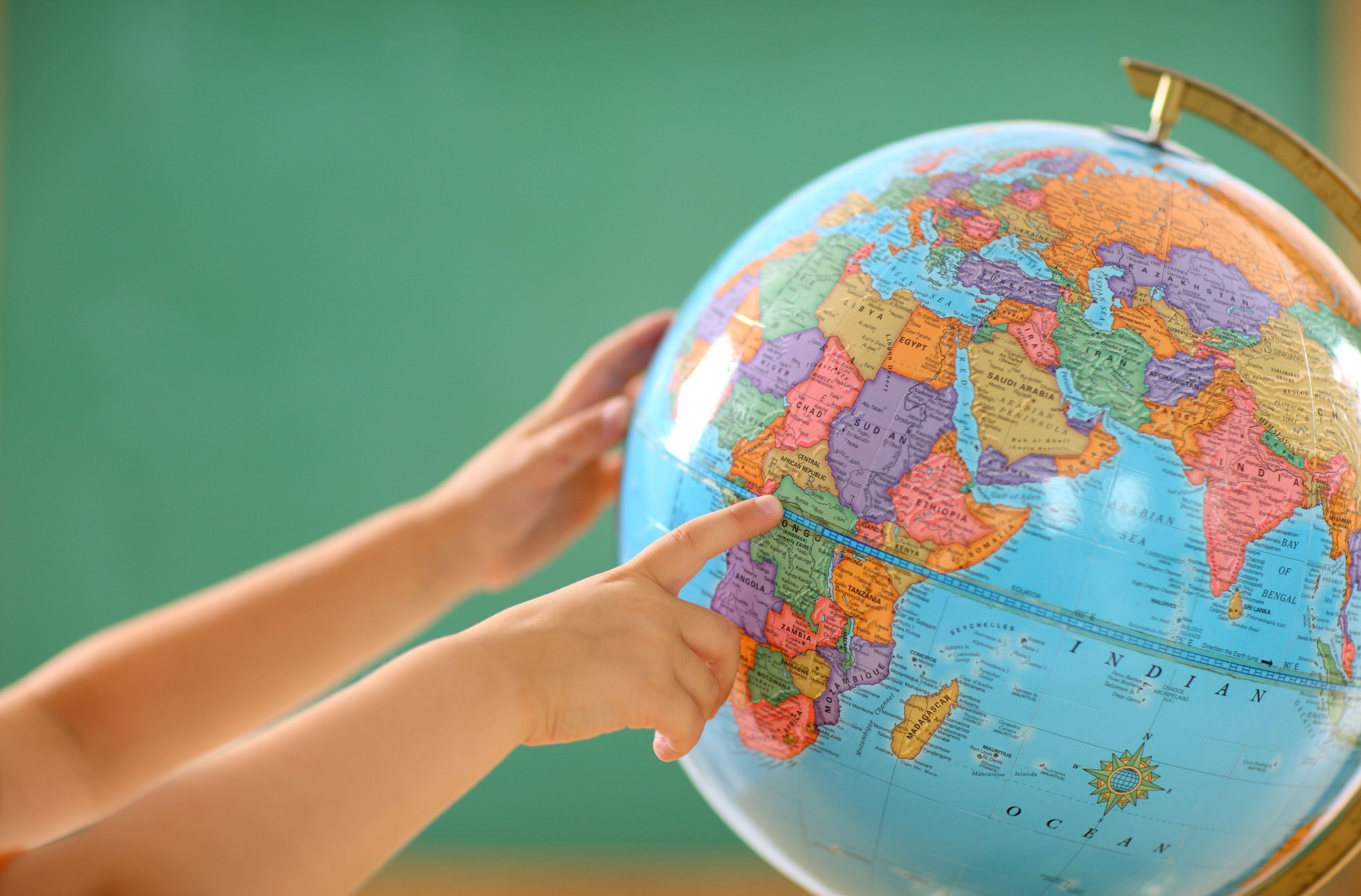 Глобус своими руками в школу