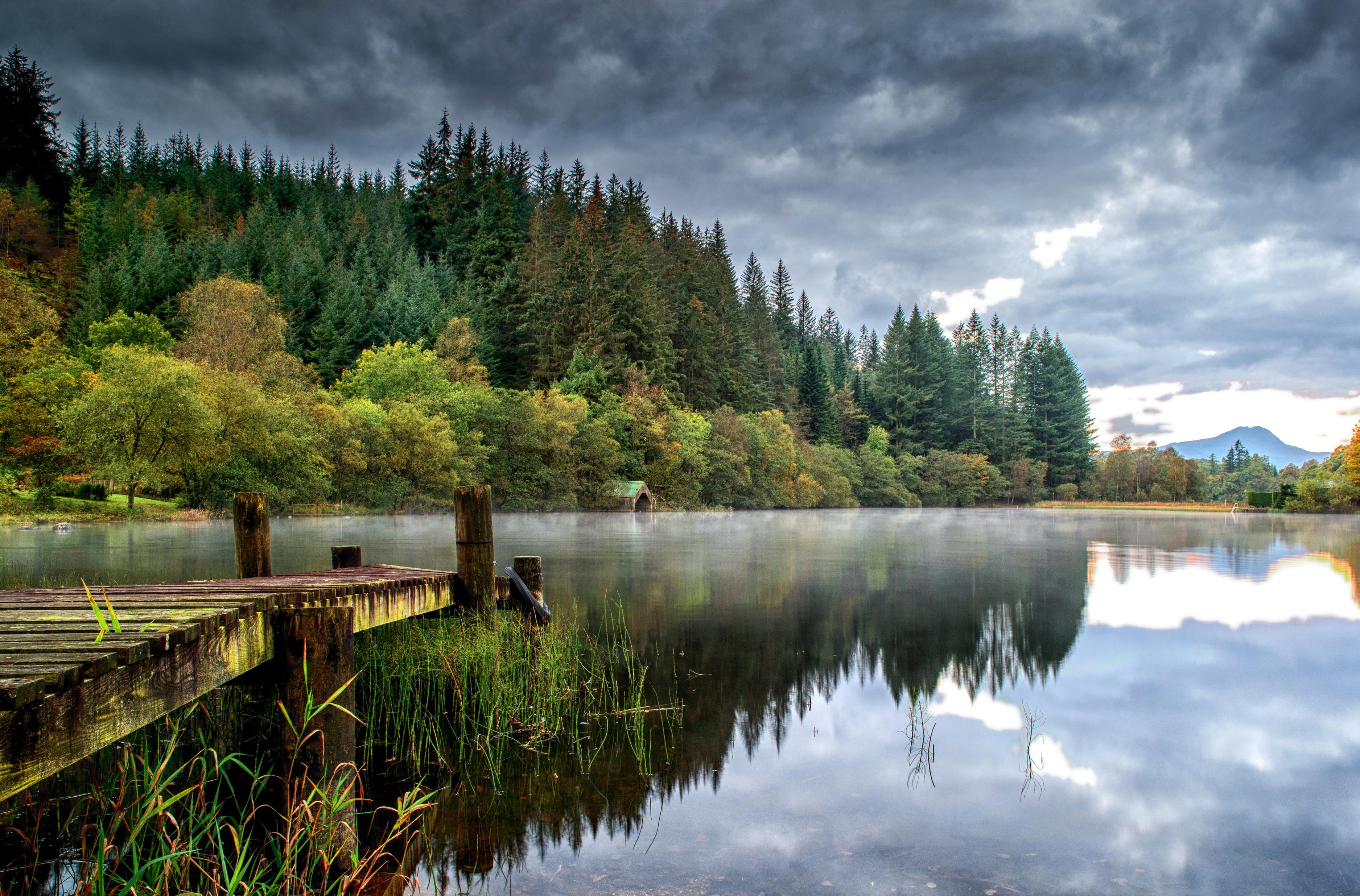 Озерцо мостик лес горы  № 2950022 загрузить