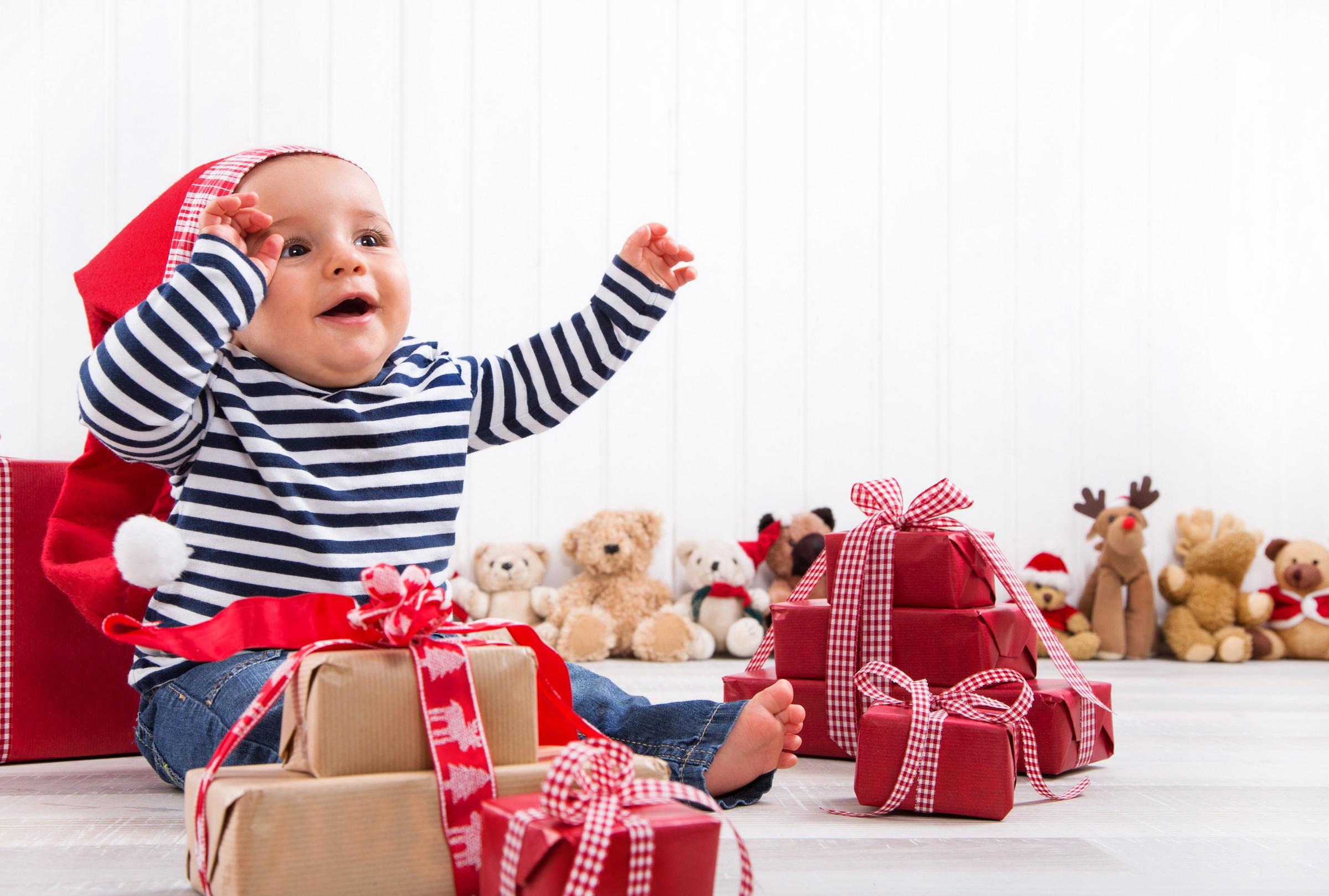 Топ подарков ребенку на год 60