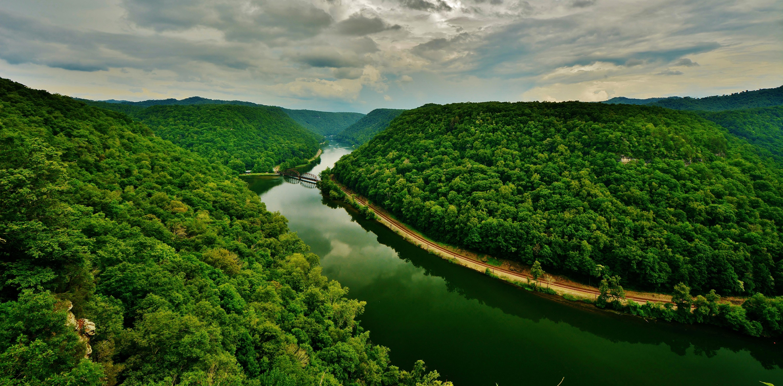 природа горы небо облака река деревья nature mountains the sky clouds river trees  № 1223866 бесплатно