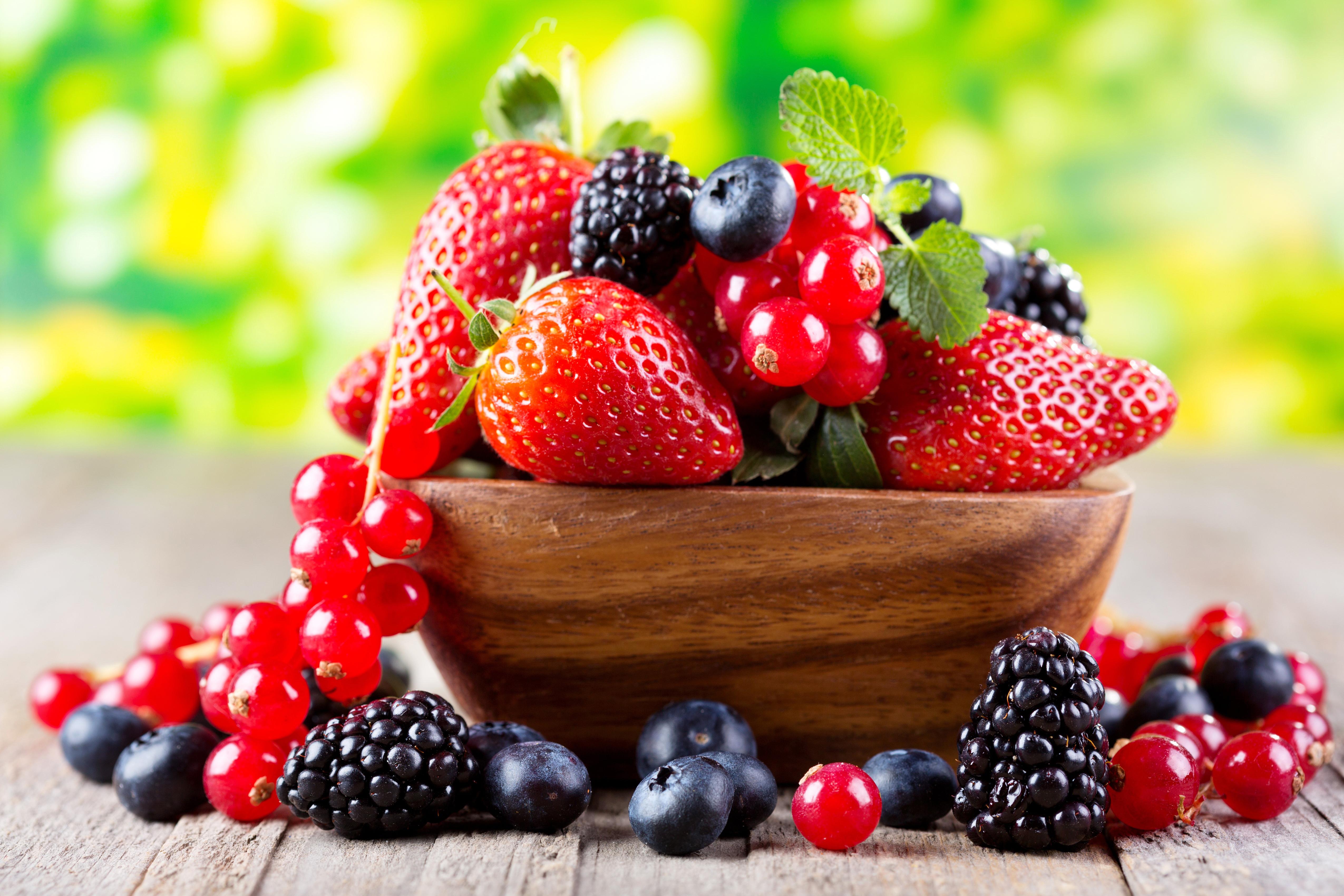 Лесные ягоды  № 2169742  скачать