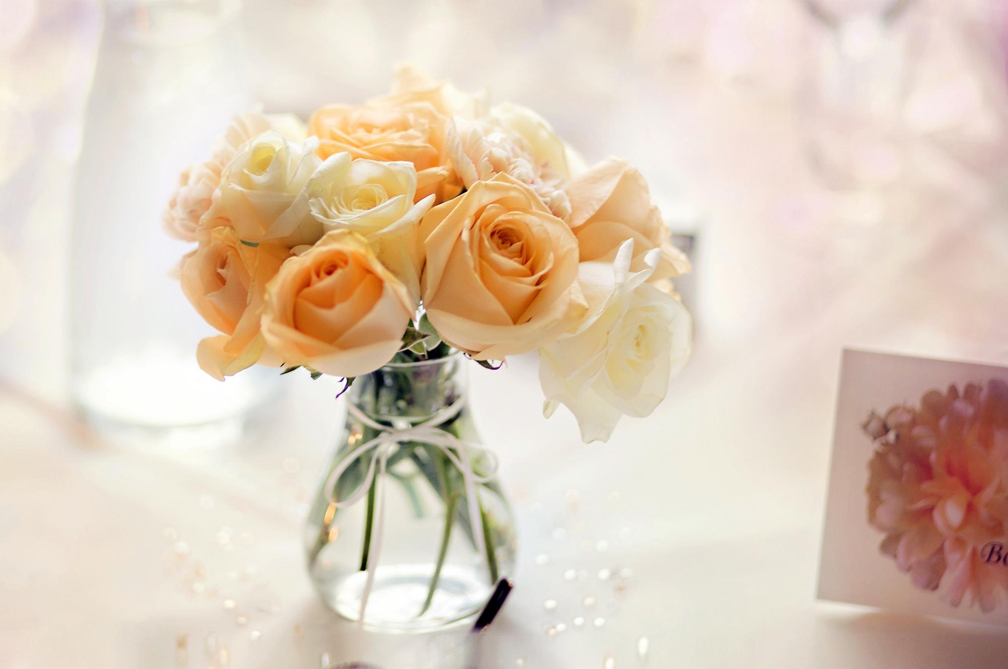 нежно-кремовые свадебные розы  № 1323015  скачать