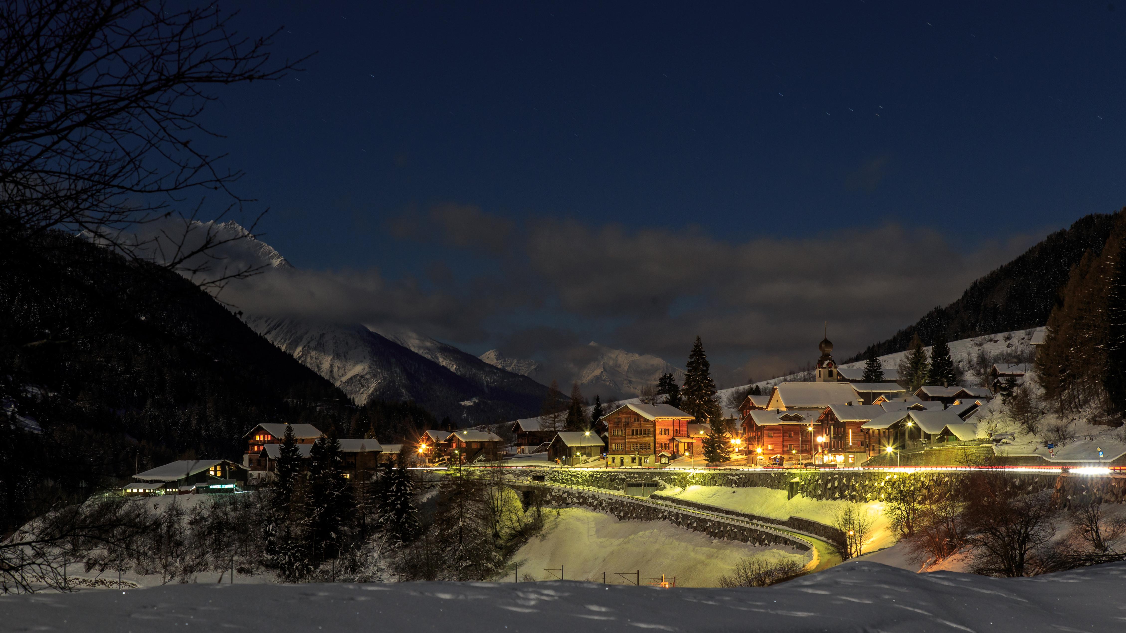 горы дом снег фонарь  № 147890 без смс