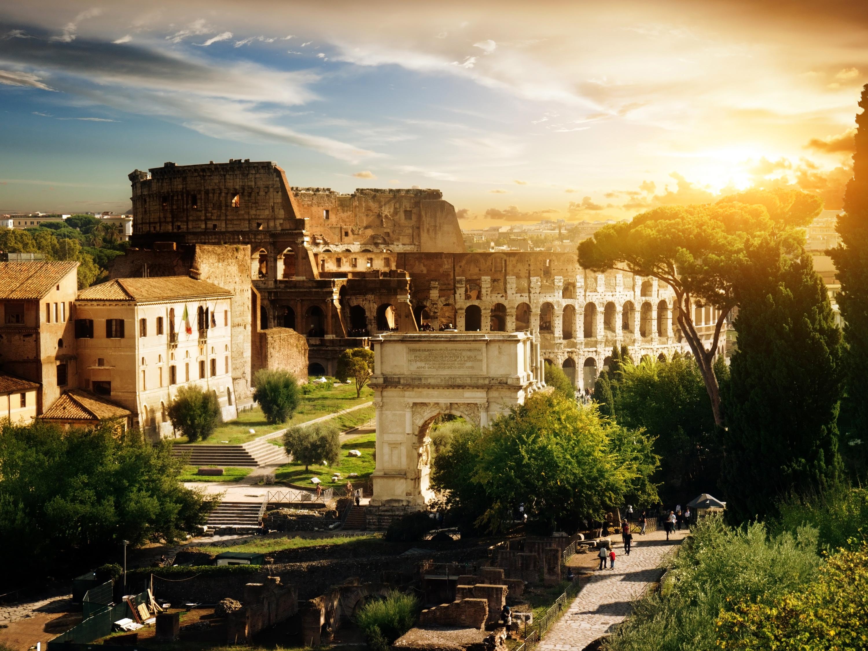 The Vatican Seen Past the Tiber River, Rome, Italy  № 1467726 бесплатно
