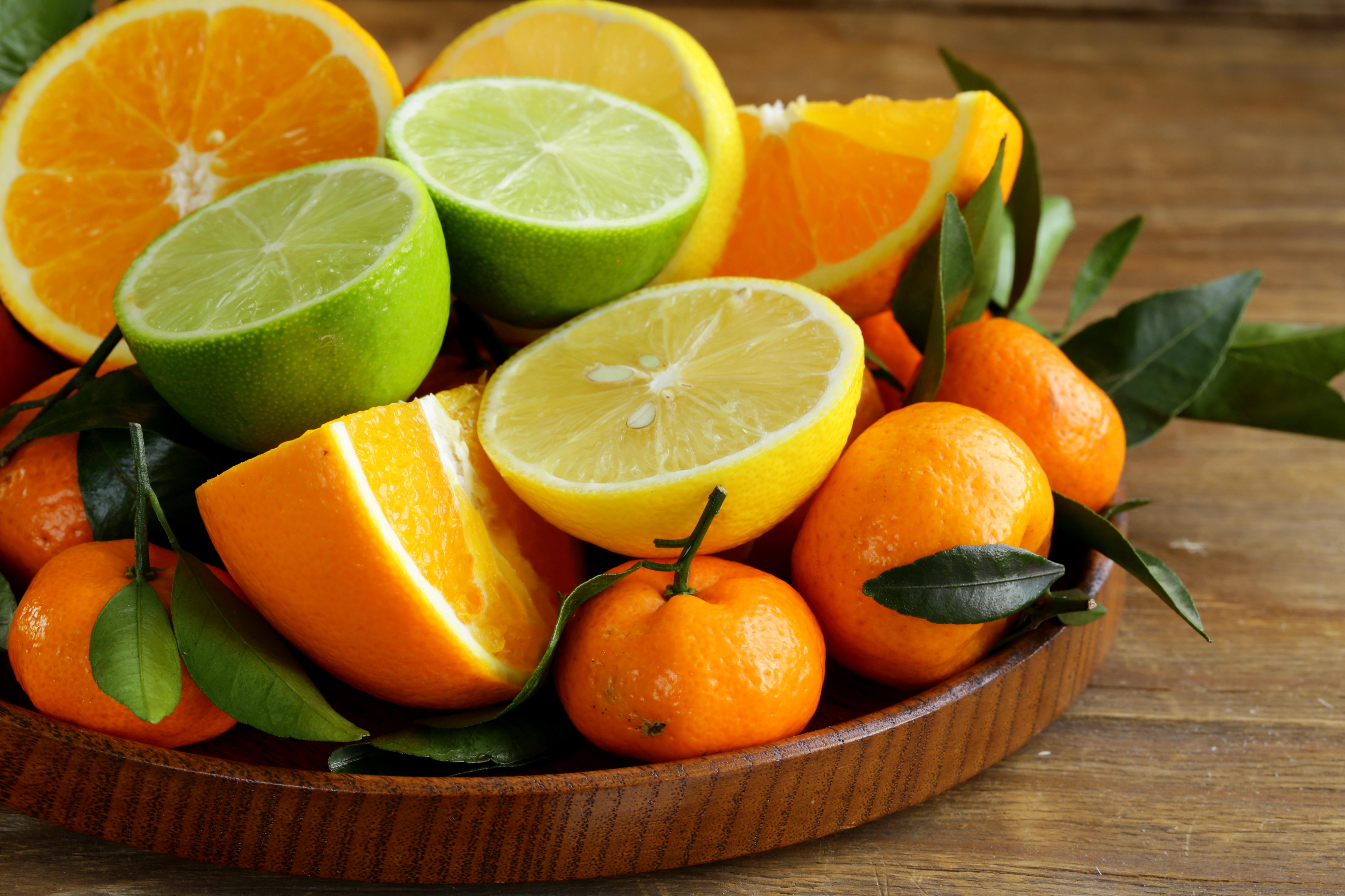 сок яблоки цитрусы помидоры  № 2265346 бесплатно