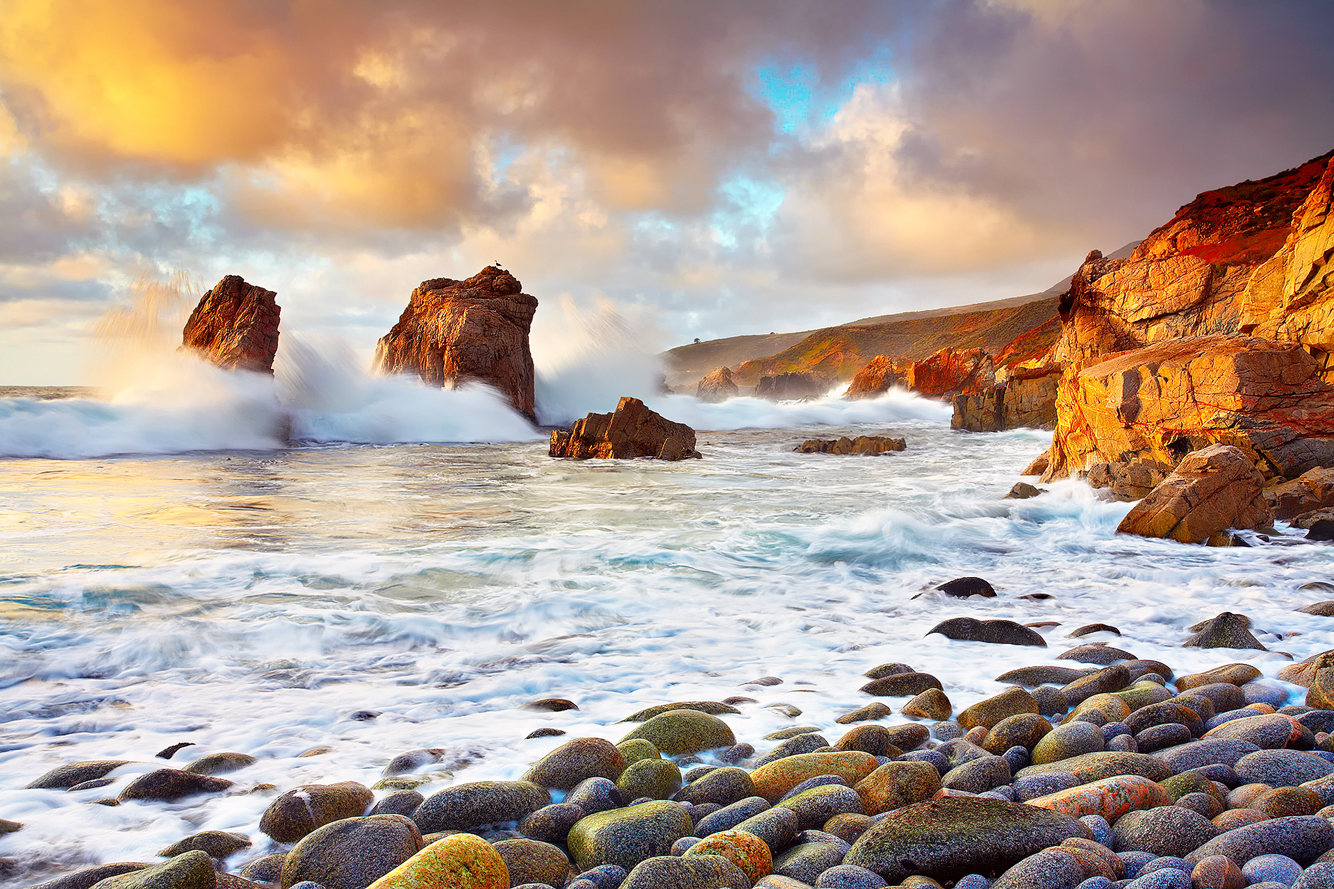 скала берег волны  № 2501456 бесплатно