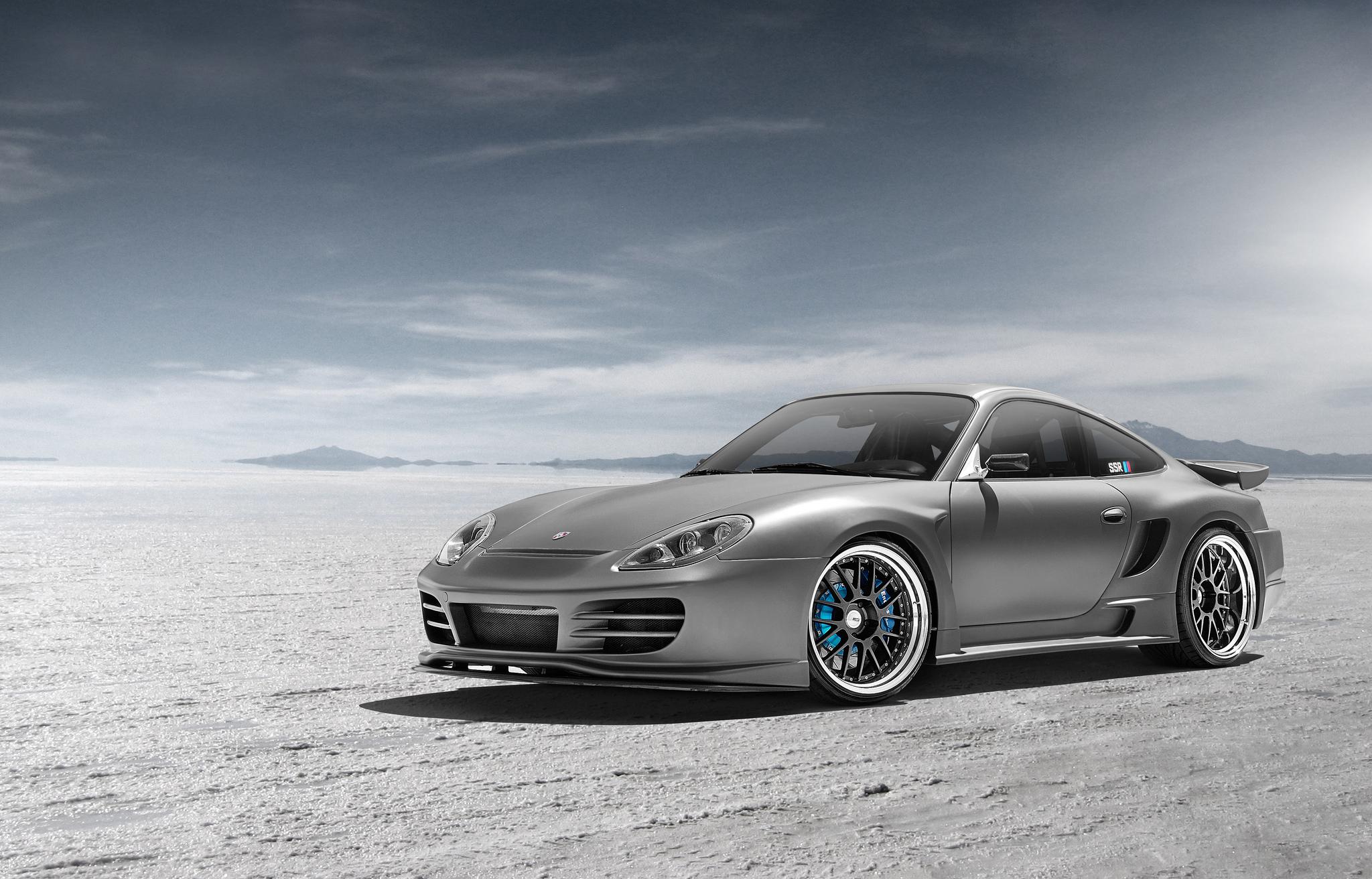 серебристая Porsche  № 984865  скачать