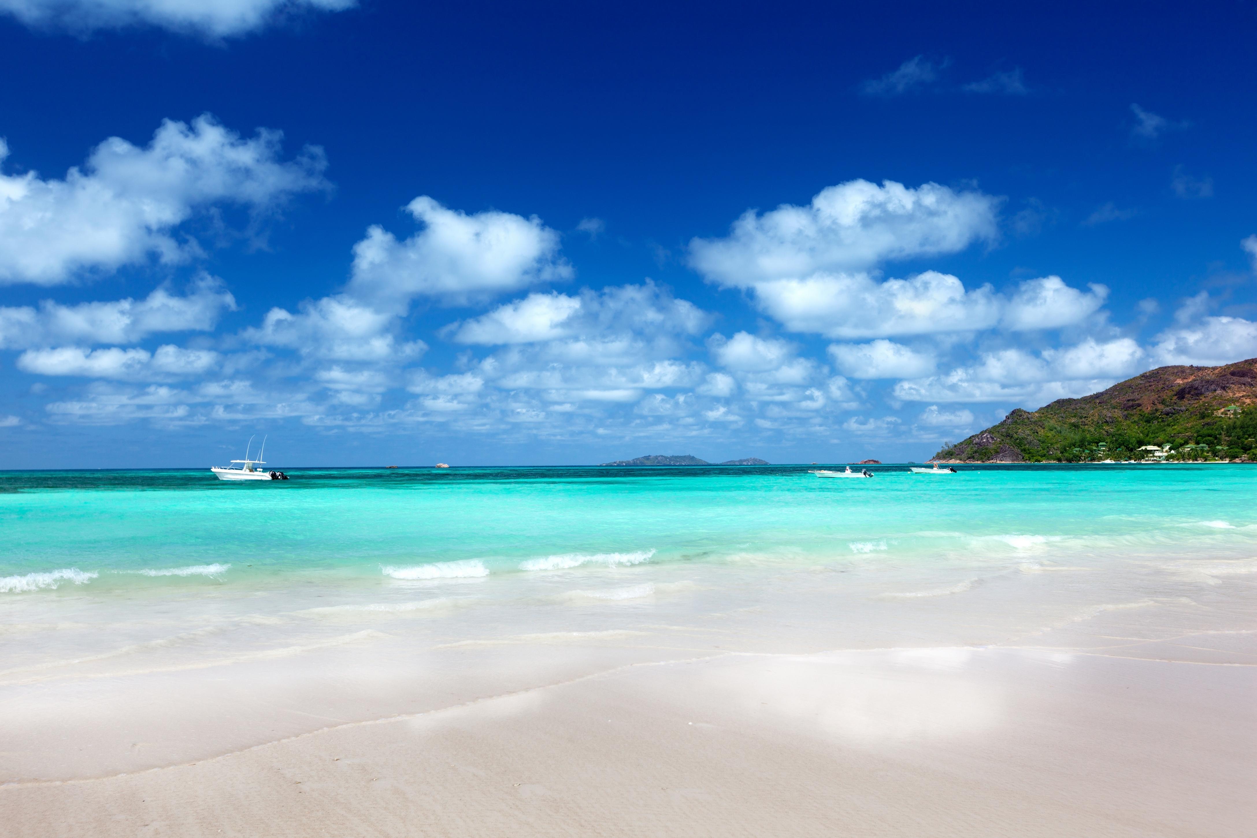 природа песок море горизонт небо облака  № 2577496 загрузить