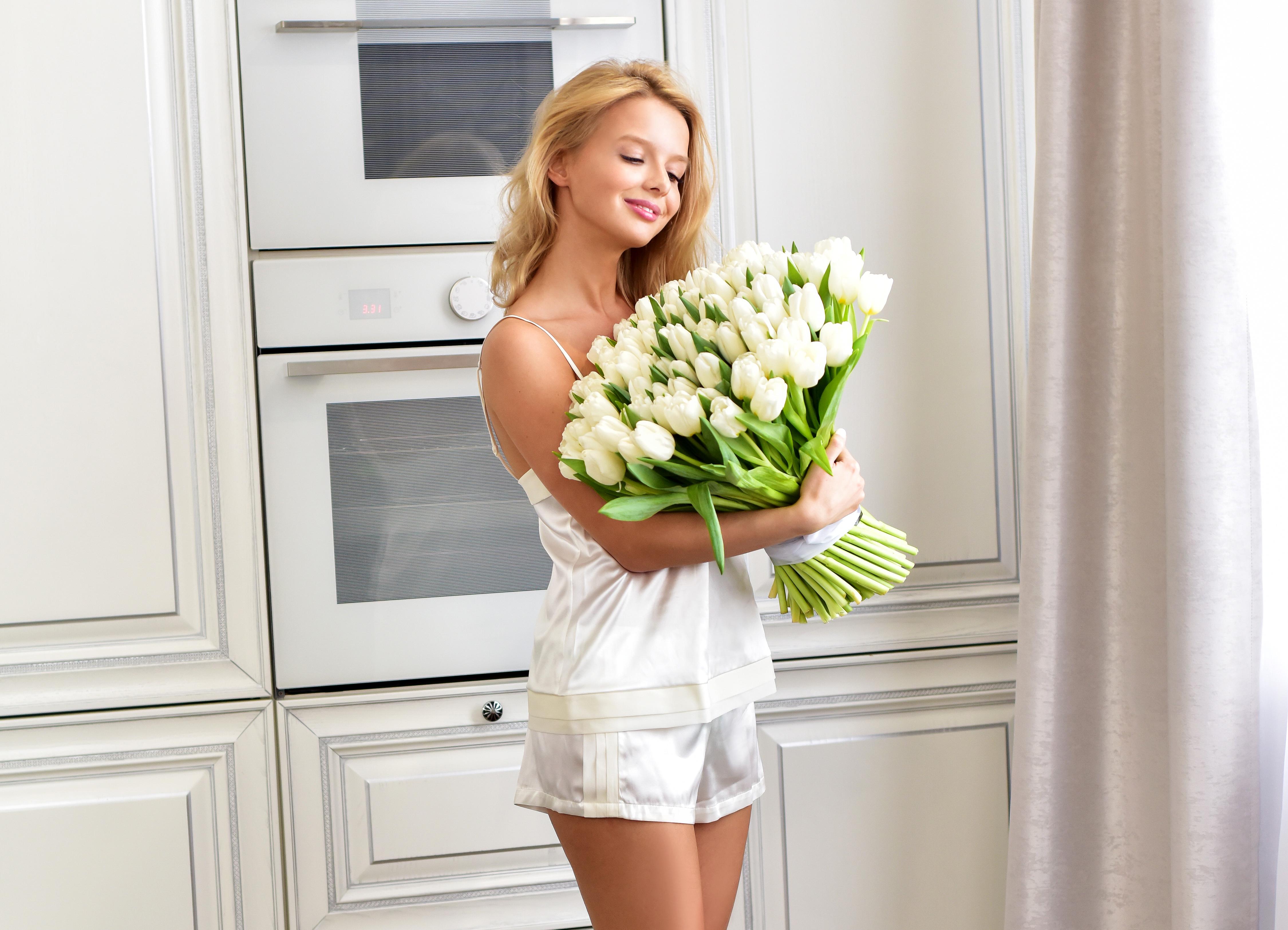 Фото цветов блондинок белых