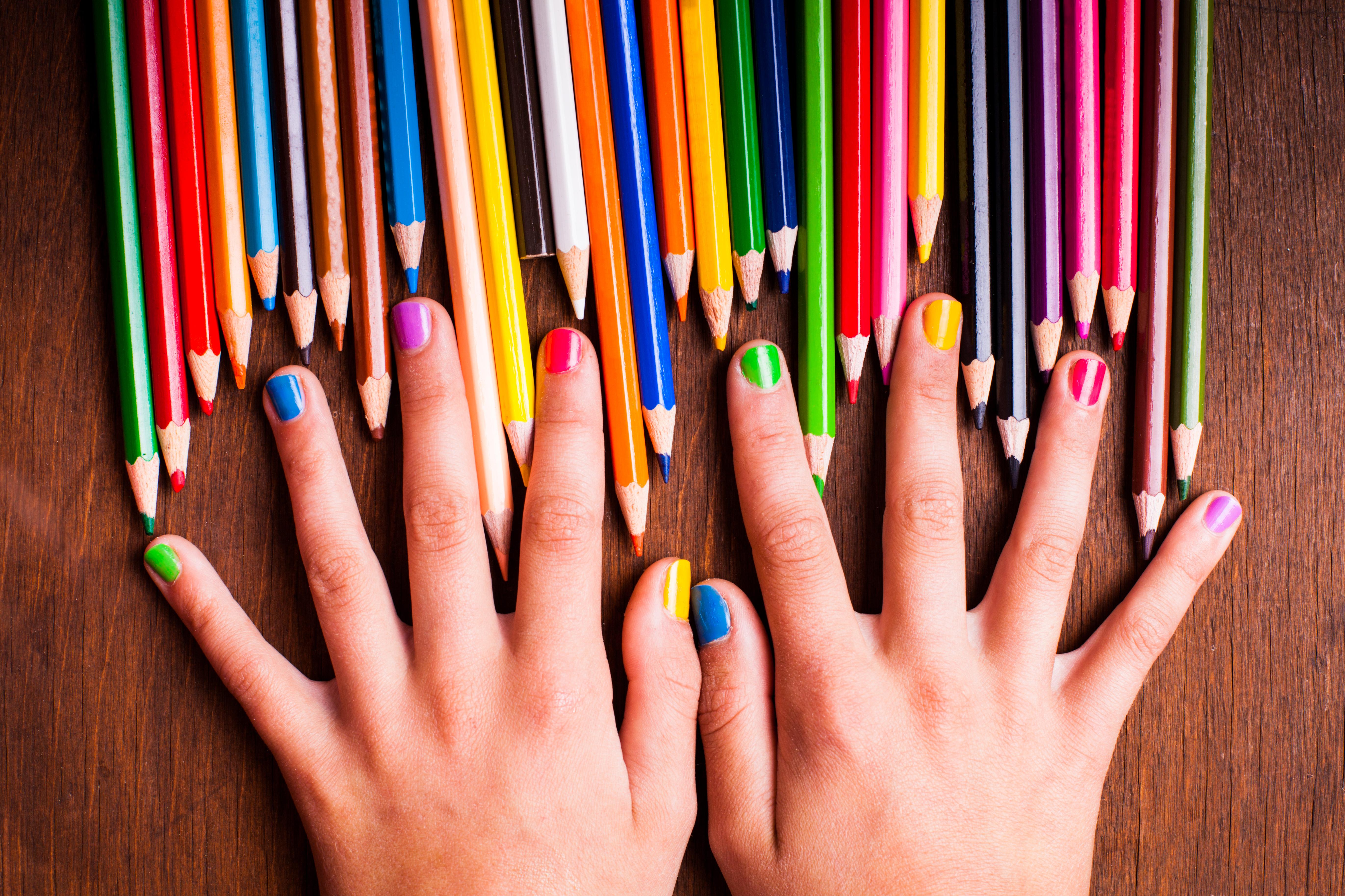 Как сделать маникюр из карандашей