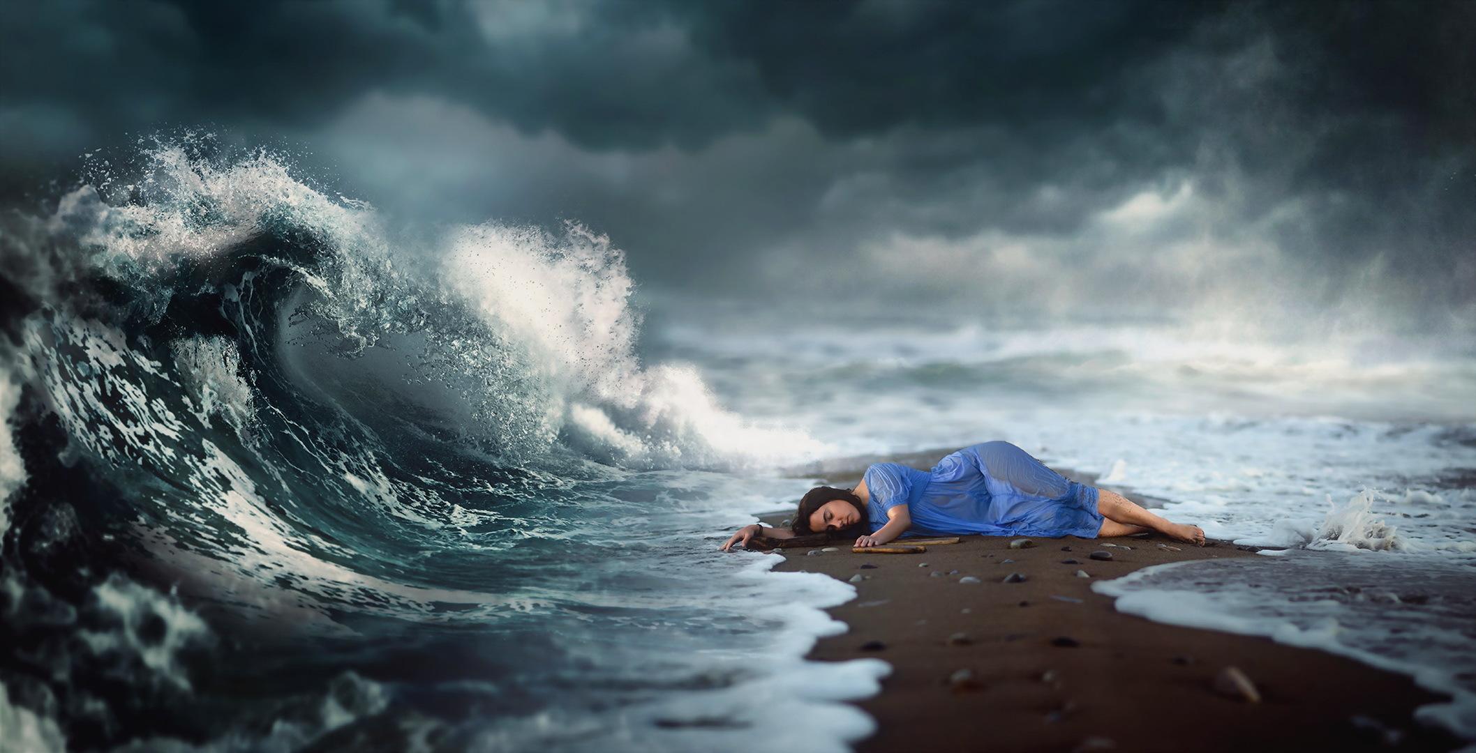 К чему снится шторм на море женщине
