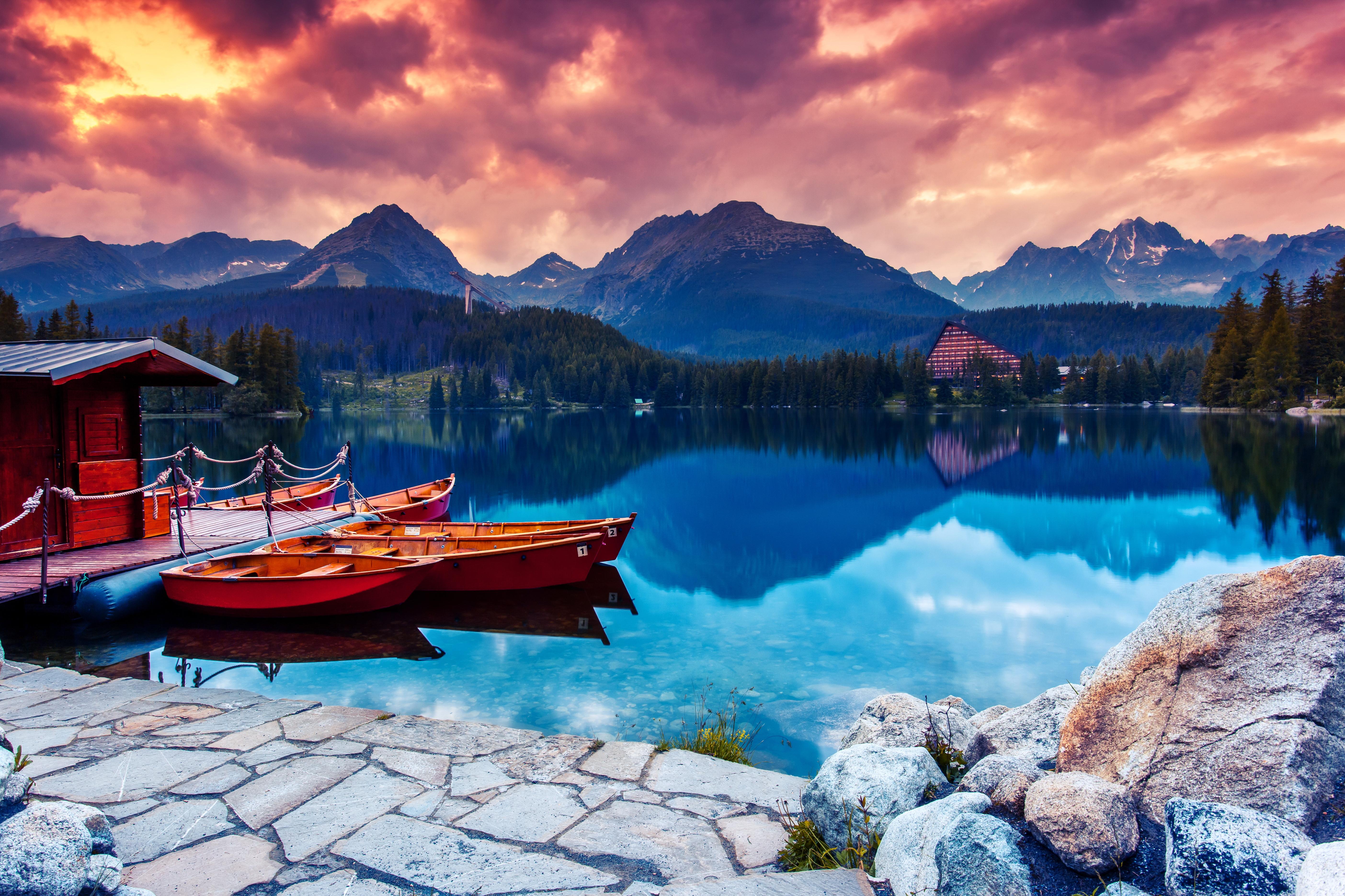 На лодке в горном озере  № 3062520 без смс