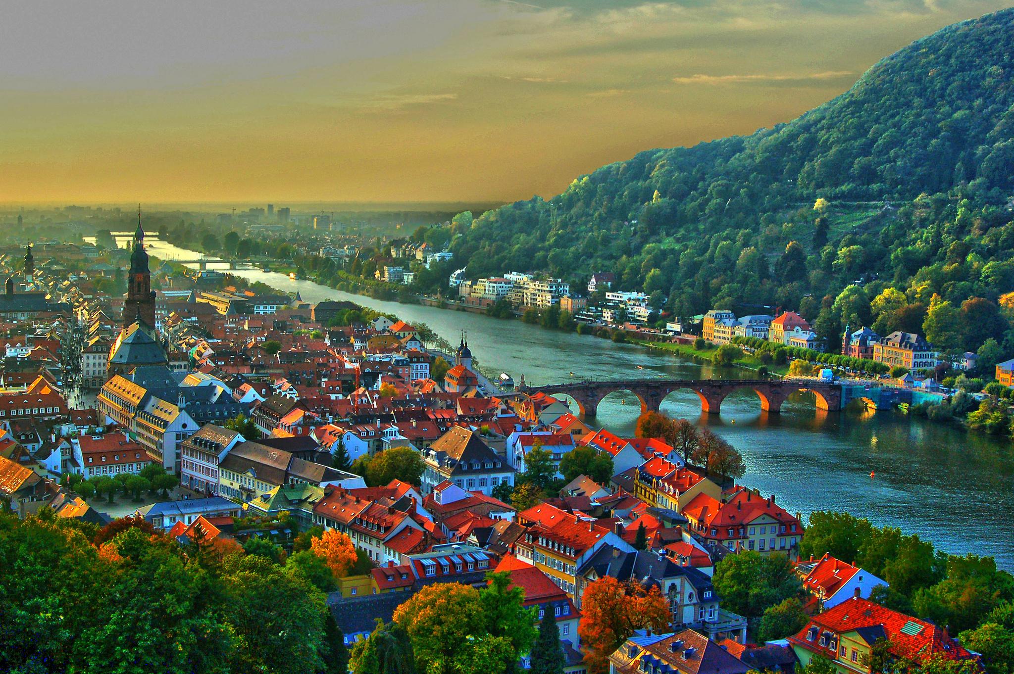 Lorch Village, Hesse, Rhine River, Germany  № 78289 бесплатно