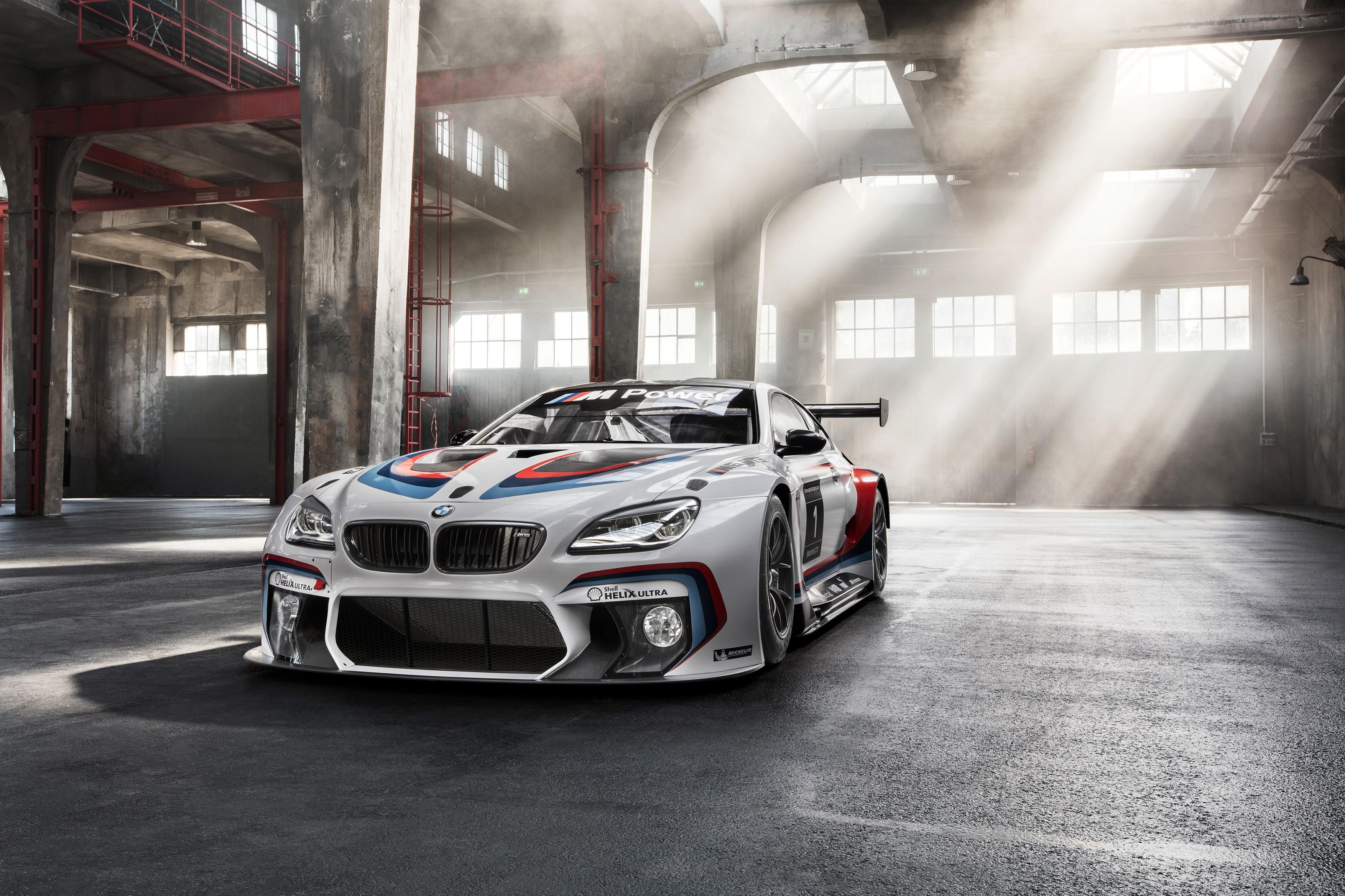 BMW в ангаре  № 960666 загрузить