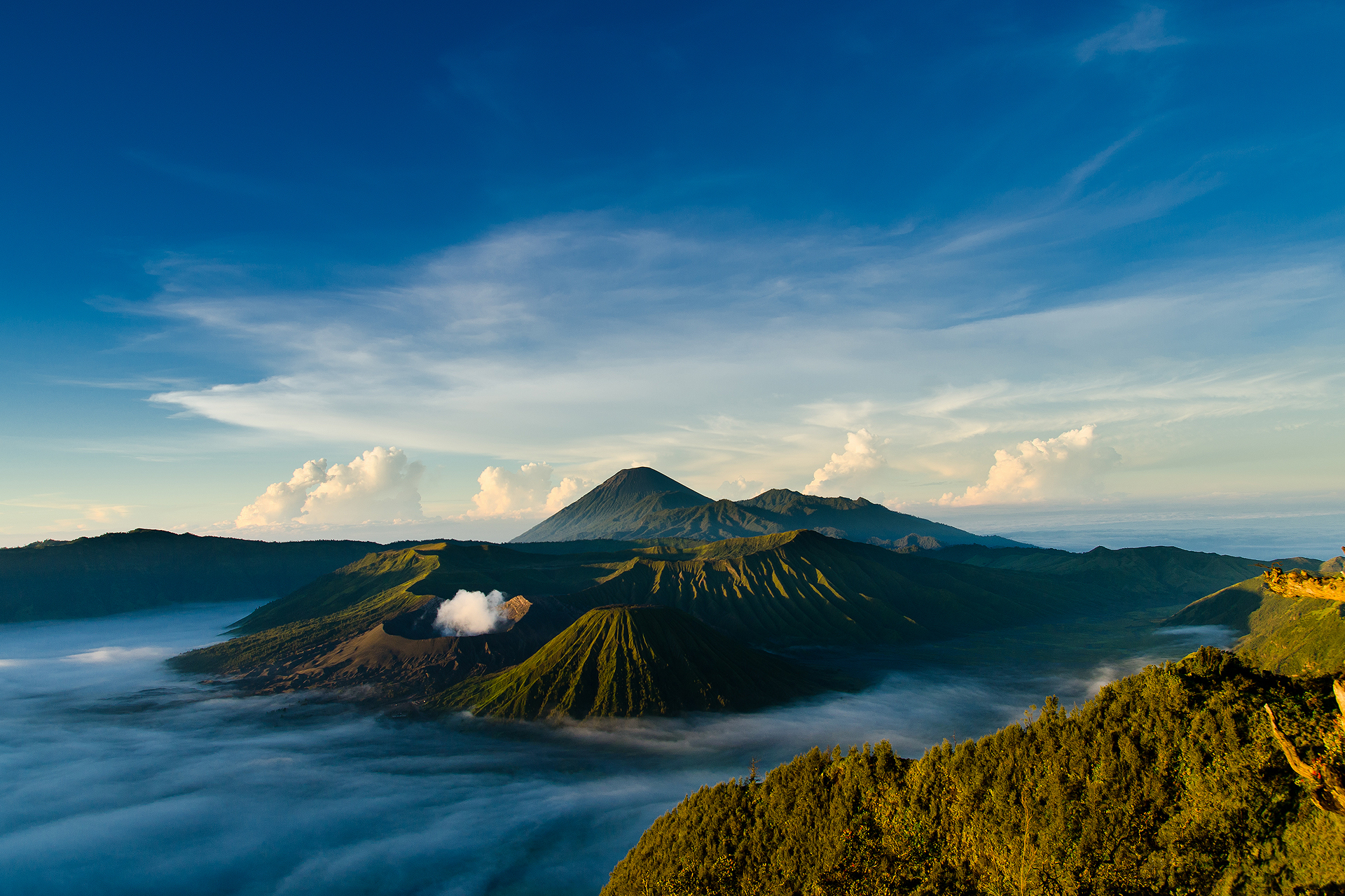 вулкан горы облака туман  № 755071  скачать