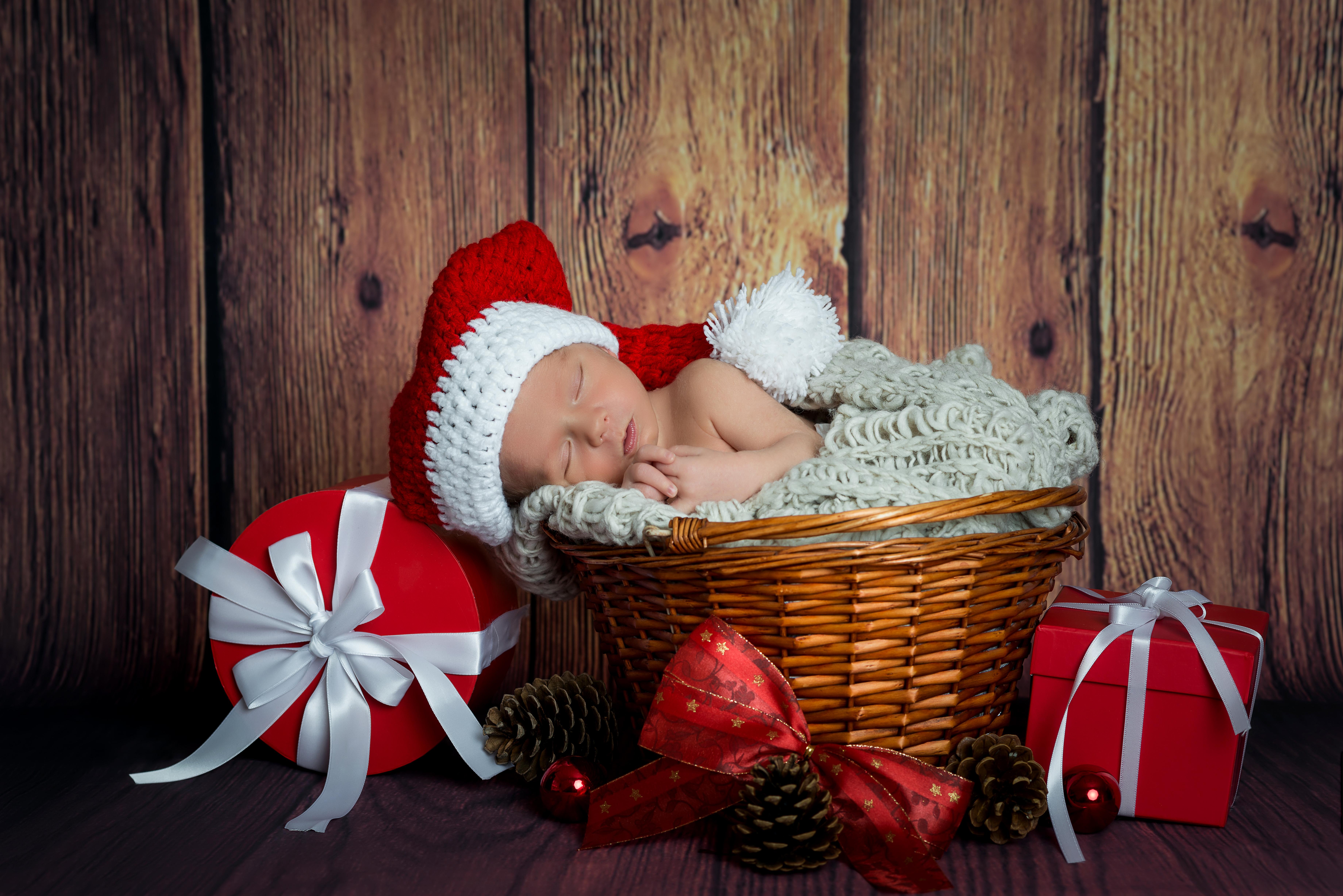 Сонник ребенок с подарком 227