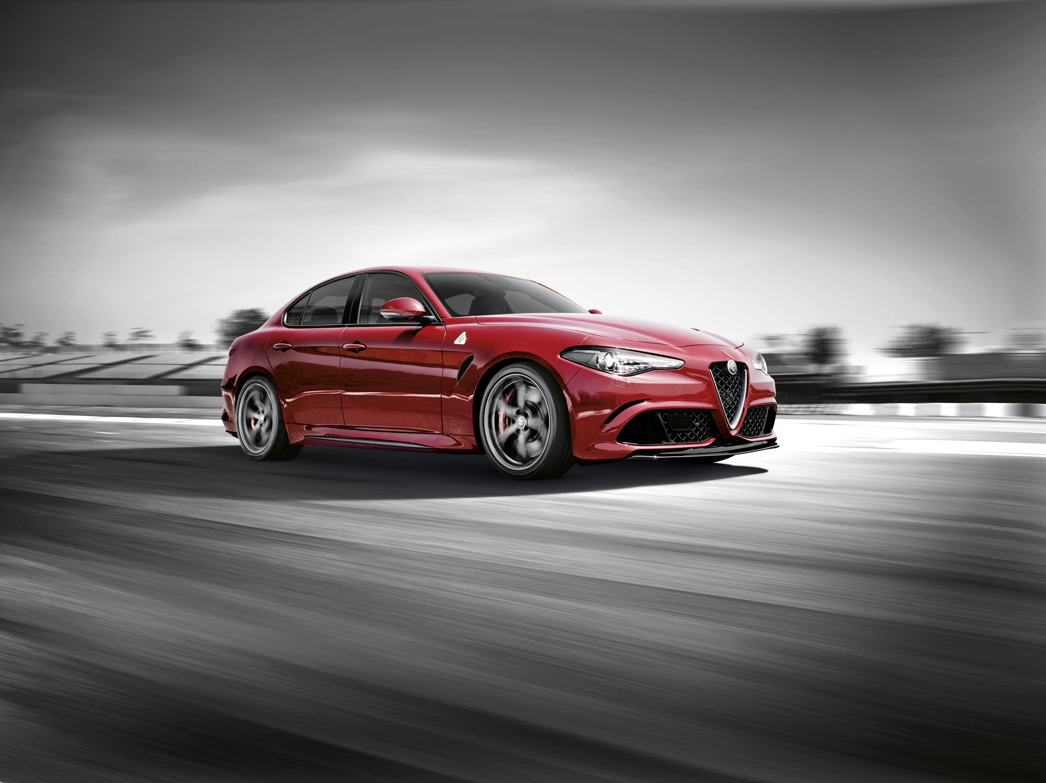 Alfa Romeo Бордовая  № 2426433 без смс