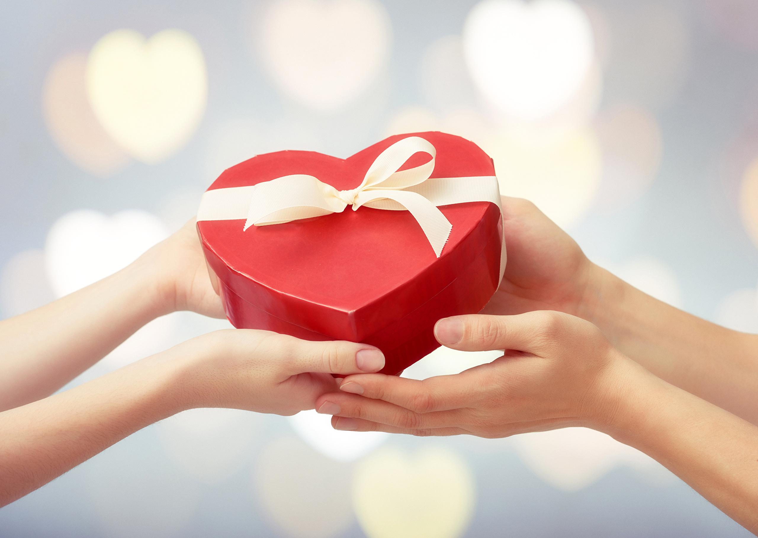 Как подарить любовь девушке
