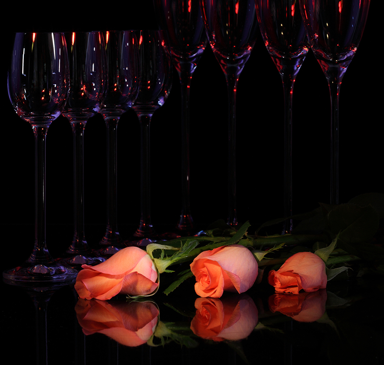 Два бокала с розами  № 750341 бесплатно