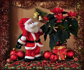 Обои Праздники Новый год Дед Мороз Шарики Колокольчики картинки