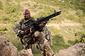 Обои Пулеметы Мужчины Солдаты Негр Soldiers of Fortune Ving Rhames Фильмы картинки